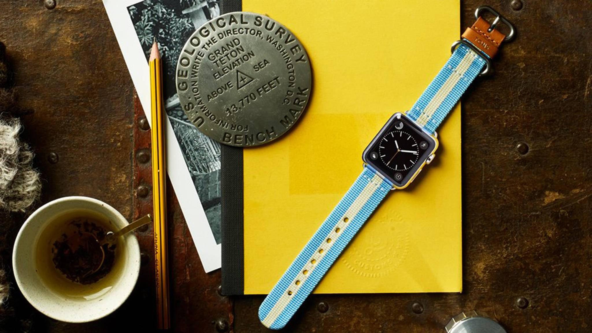 Wer sich bei TOMS ein Armband für seine Apple Watch kauft, unterstützt damit den Kampf gegen Energiearmut.