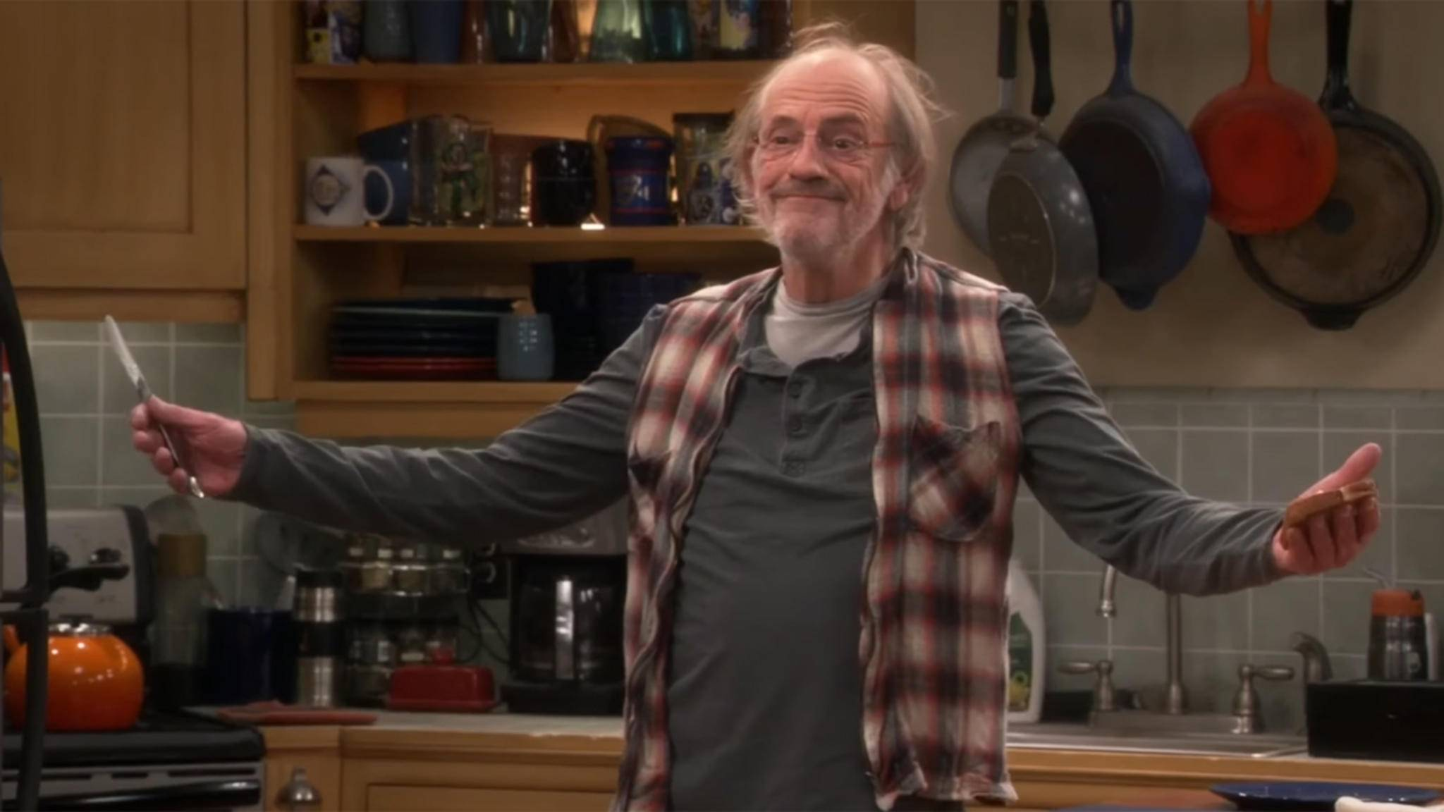 """Doc Brown"" Christopher Lloyd stattet ""The Big Bang Theory"" in Staffel 10 einen Besuch ab."