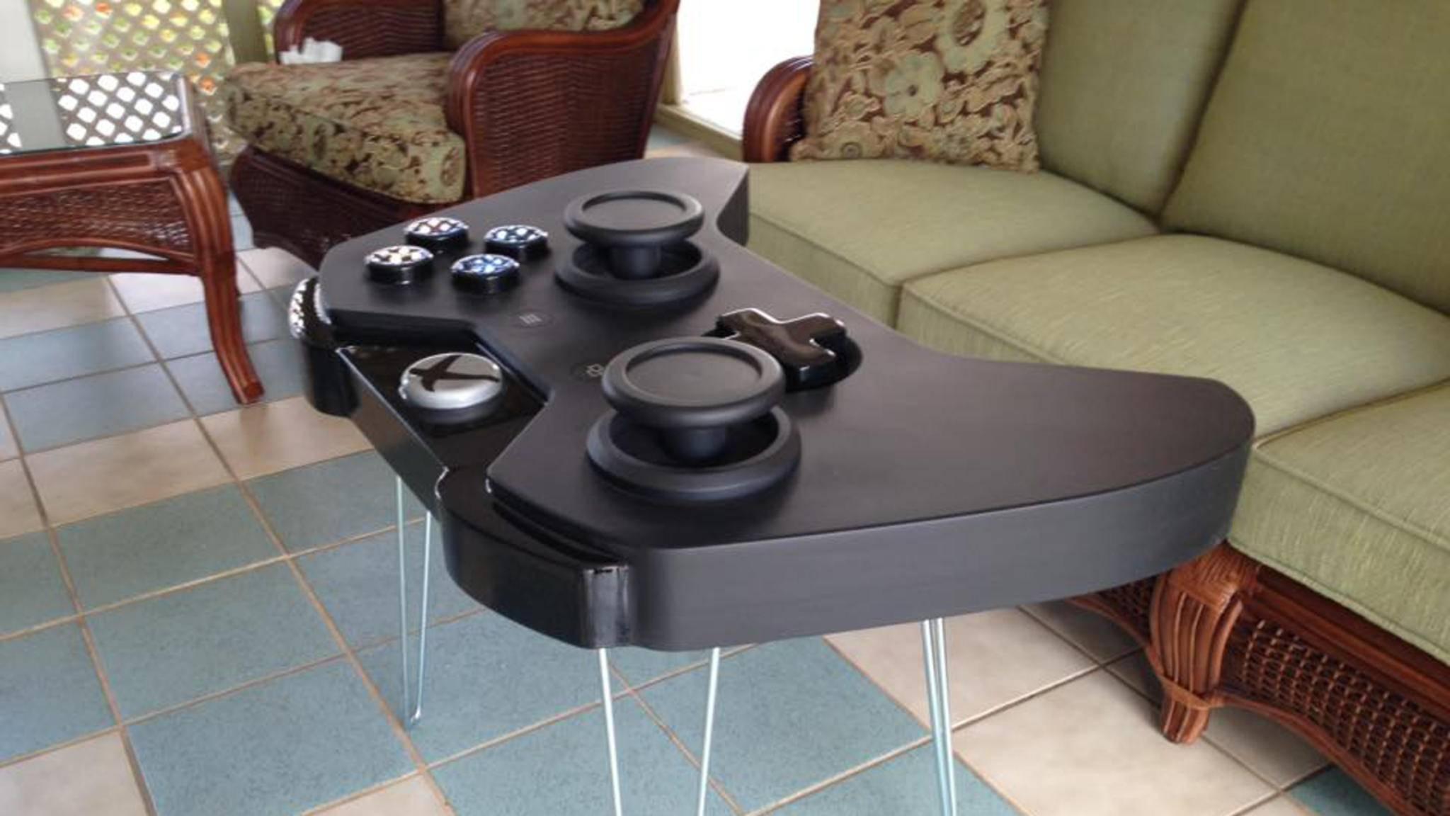 Für mehr Style im Wohnzimmer: Ein Tisch im Look des Xbox One-Controllers.