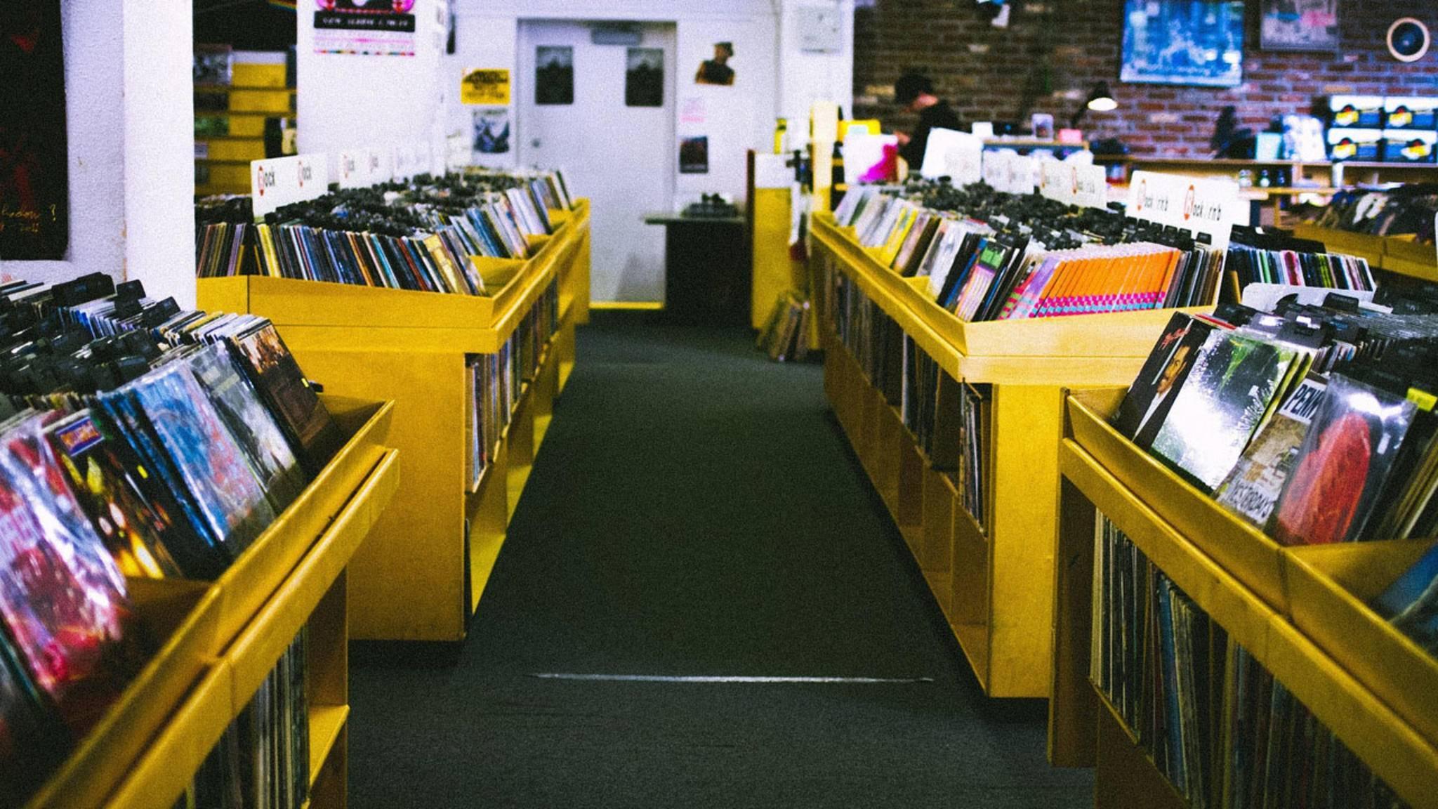 Die Website Recordstores.love führt Dich ohne Umwege ins nächste Paradies für Plattensammler.
