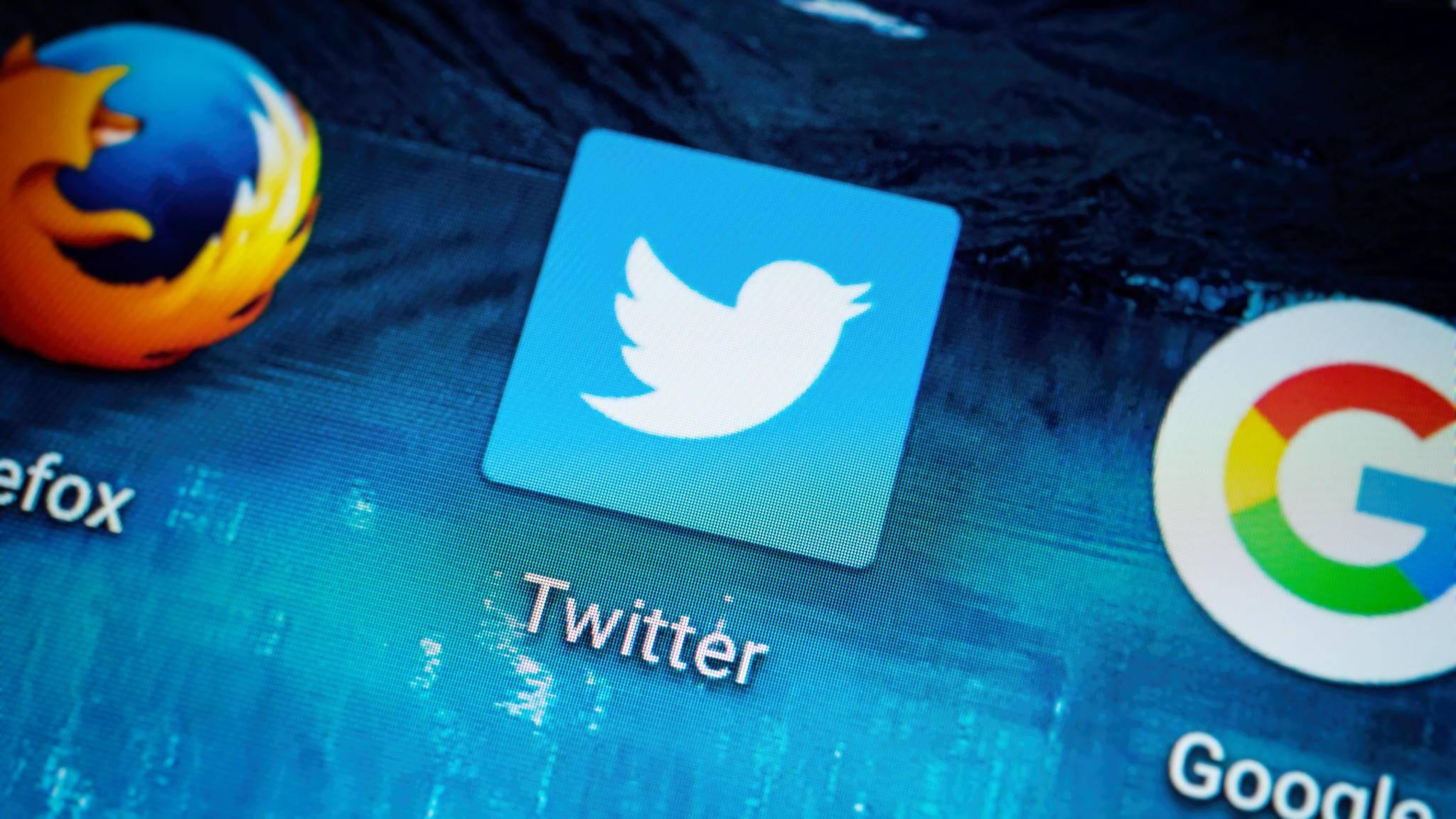 Twitter geht nun strenger gegen Beleidigungen vor.