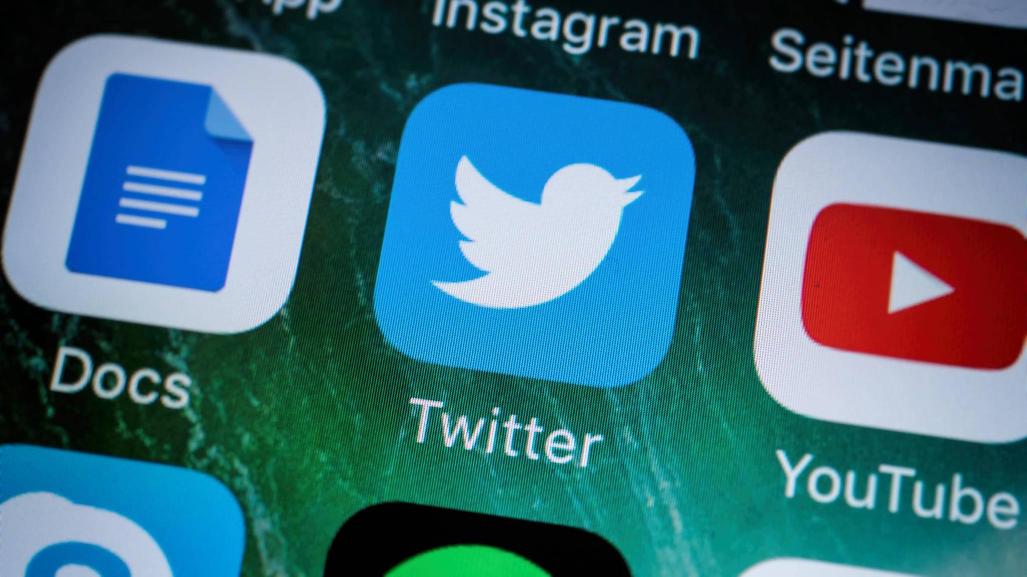 Auch auf dem Zeichen-begrenzten Twitter bieten sich Chat-Kürzel an.