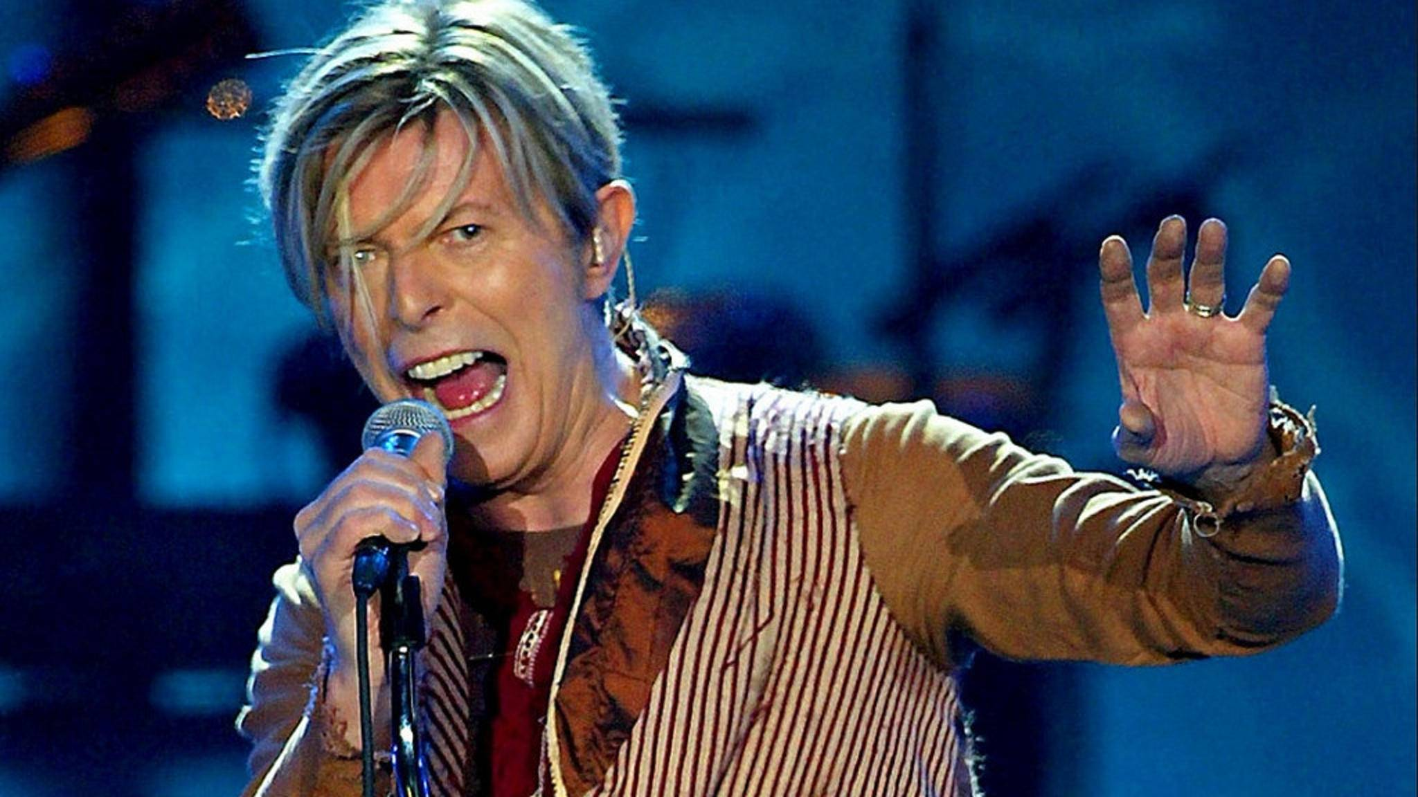 Die britische Royal Mail bringt Briefmarken mit David Bowies Albumcovern auf den Markt.