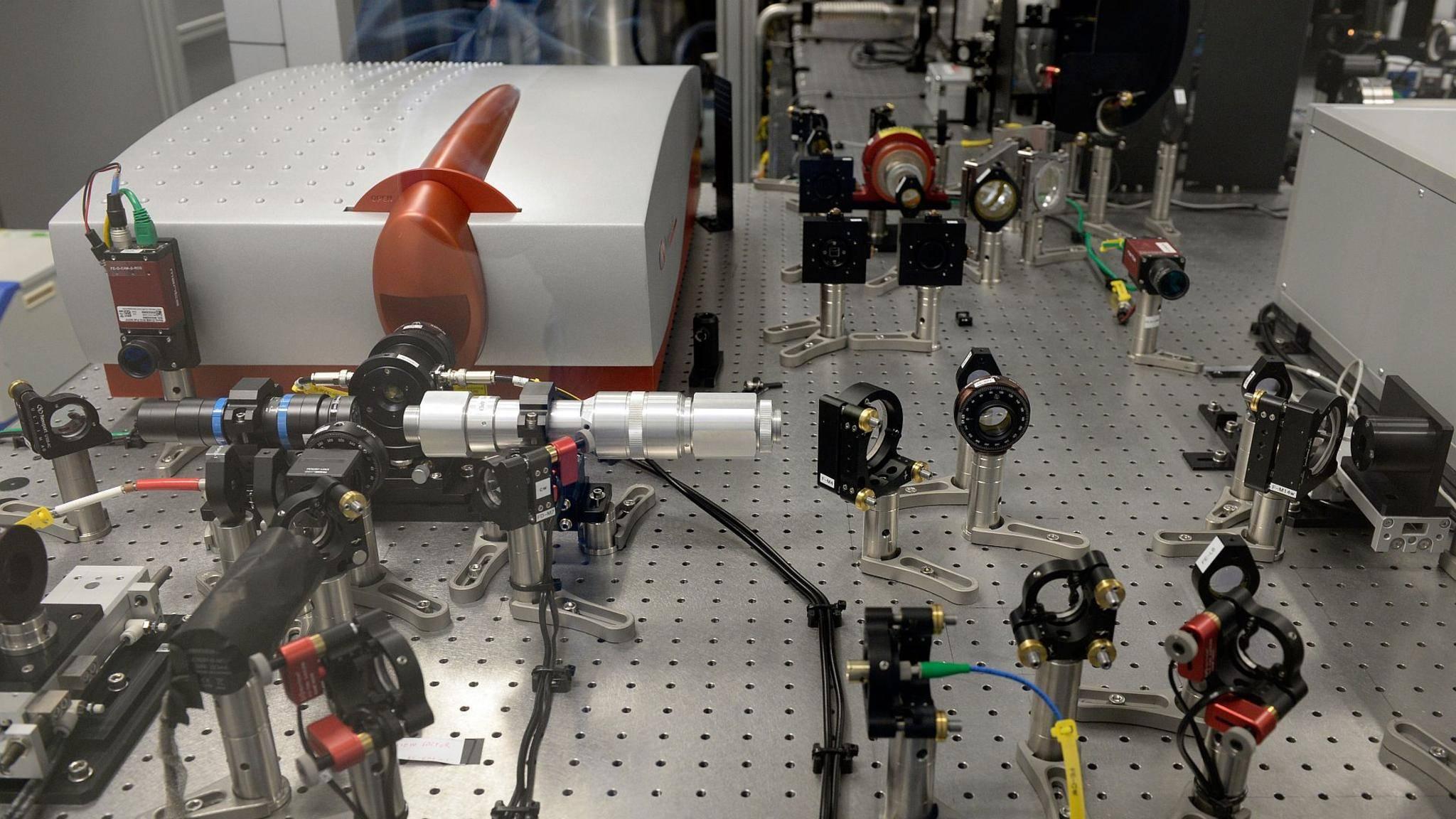 """Der Super-Laser """"Bivoj"""" wurde in Tschechien in Betrieb genommen."""