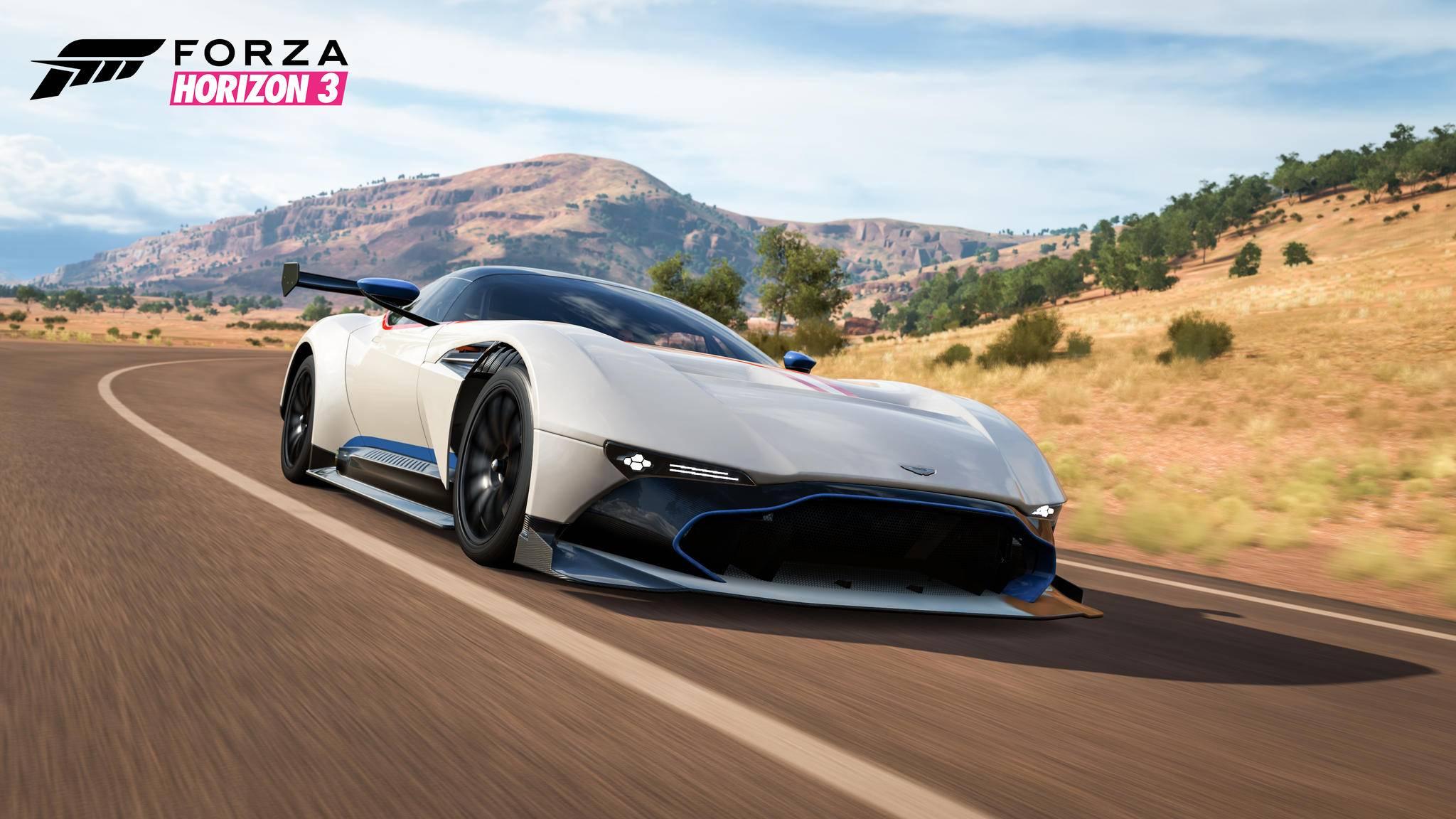 """Auch in """"Forza Horizon 4"""" bist Du mit teuren Sportwägen in abenteuerlichen Gebieten unterwegs."""