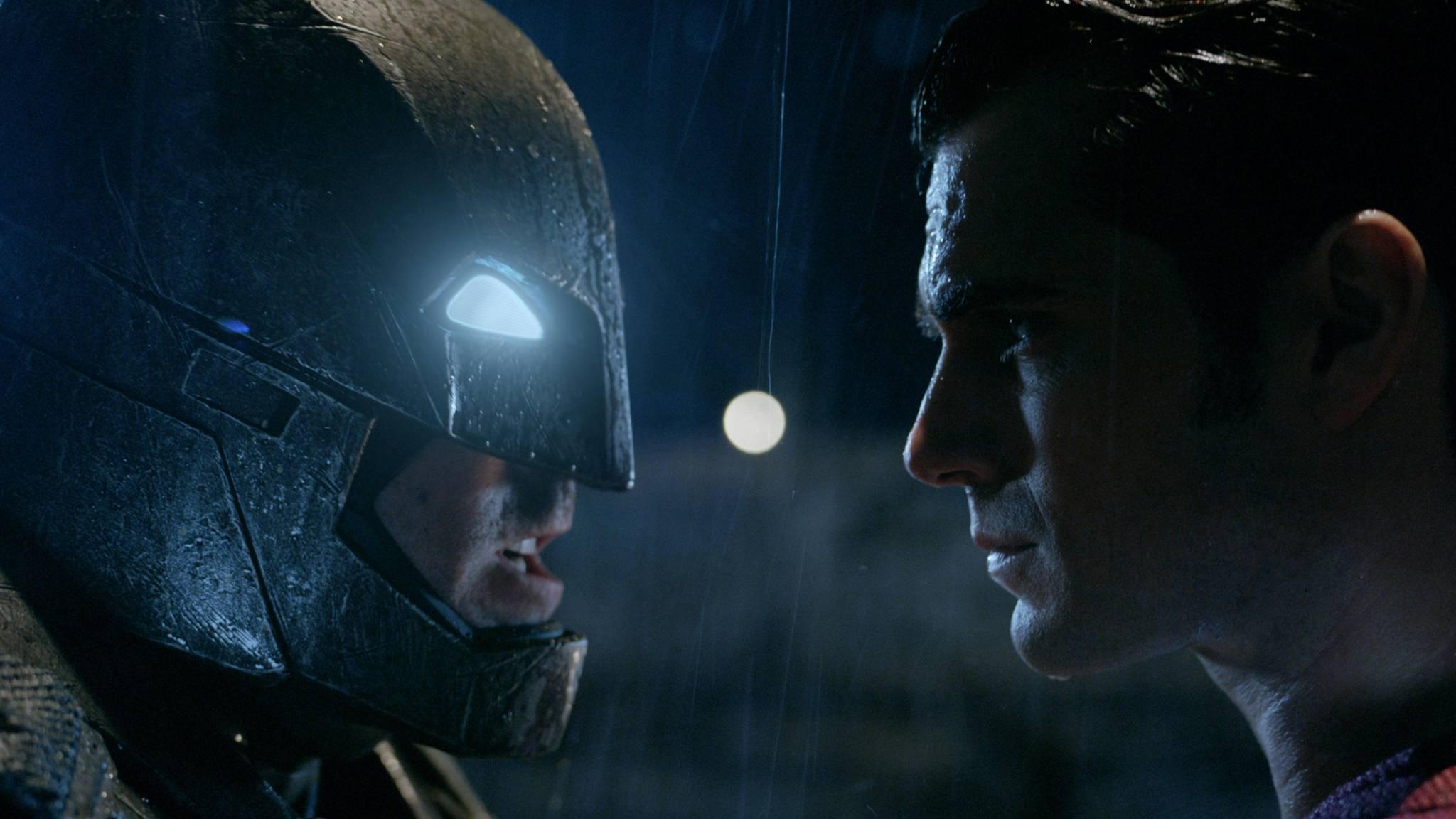"""In """"Batman v Superman"""" ist der Dark Knight alles andere als ein lupenreiner Held ..."""