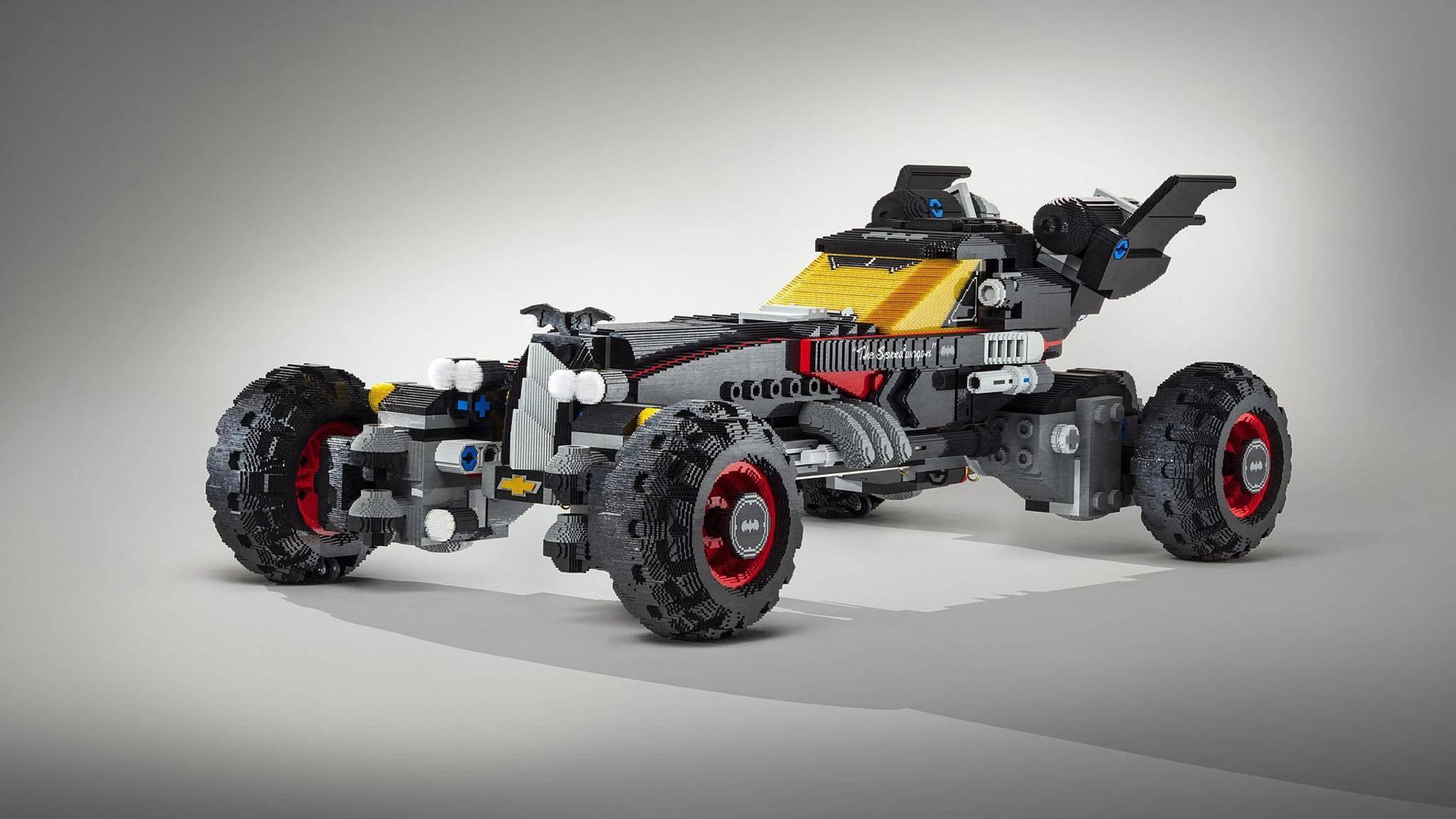 Das Batmobil besteht aus mehr als 340.000 Lego-Steinen.