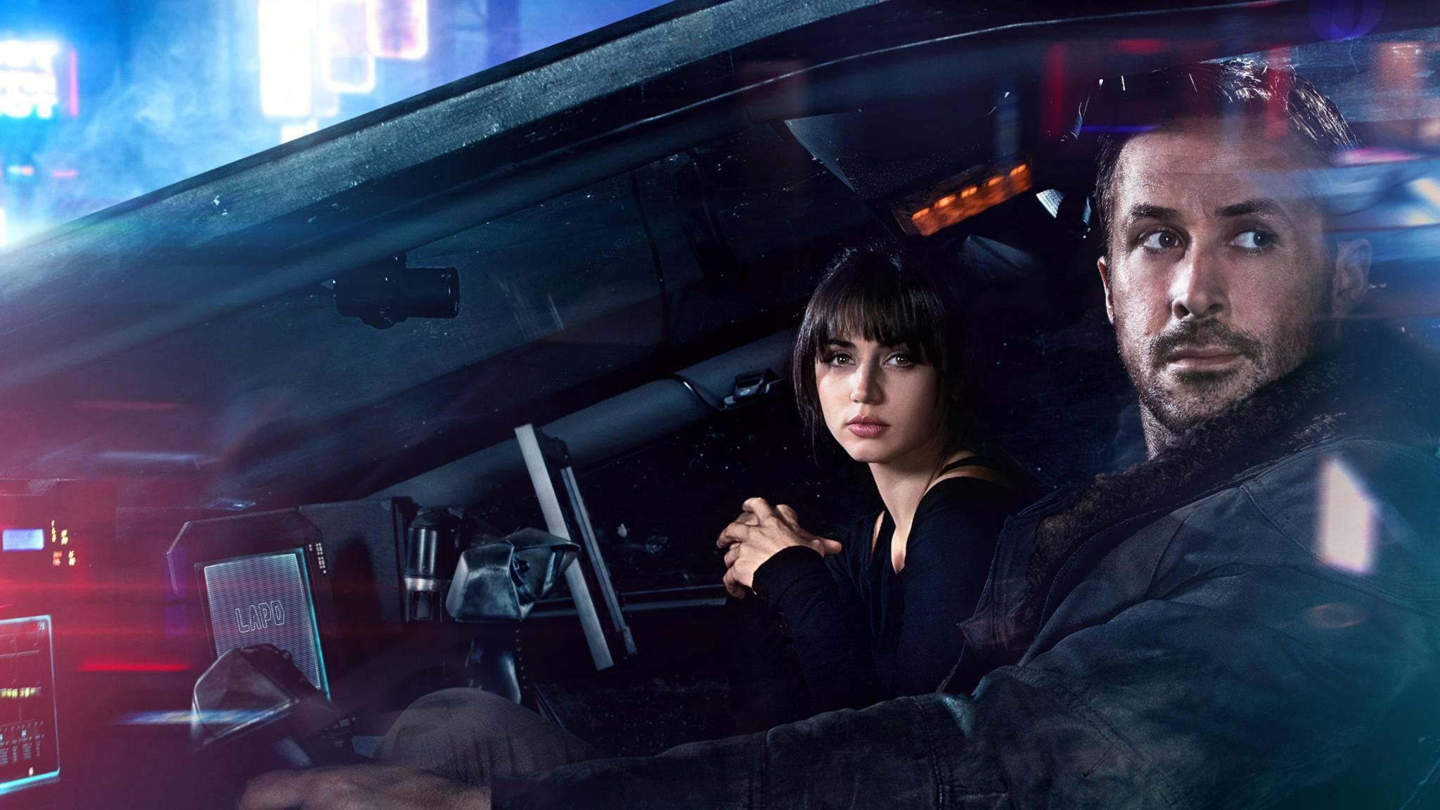 """Kennen sich schon von """"Blade Runner 2049"""": Ana de Armas und Ryan Gosling."""
