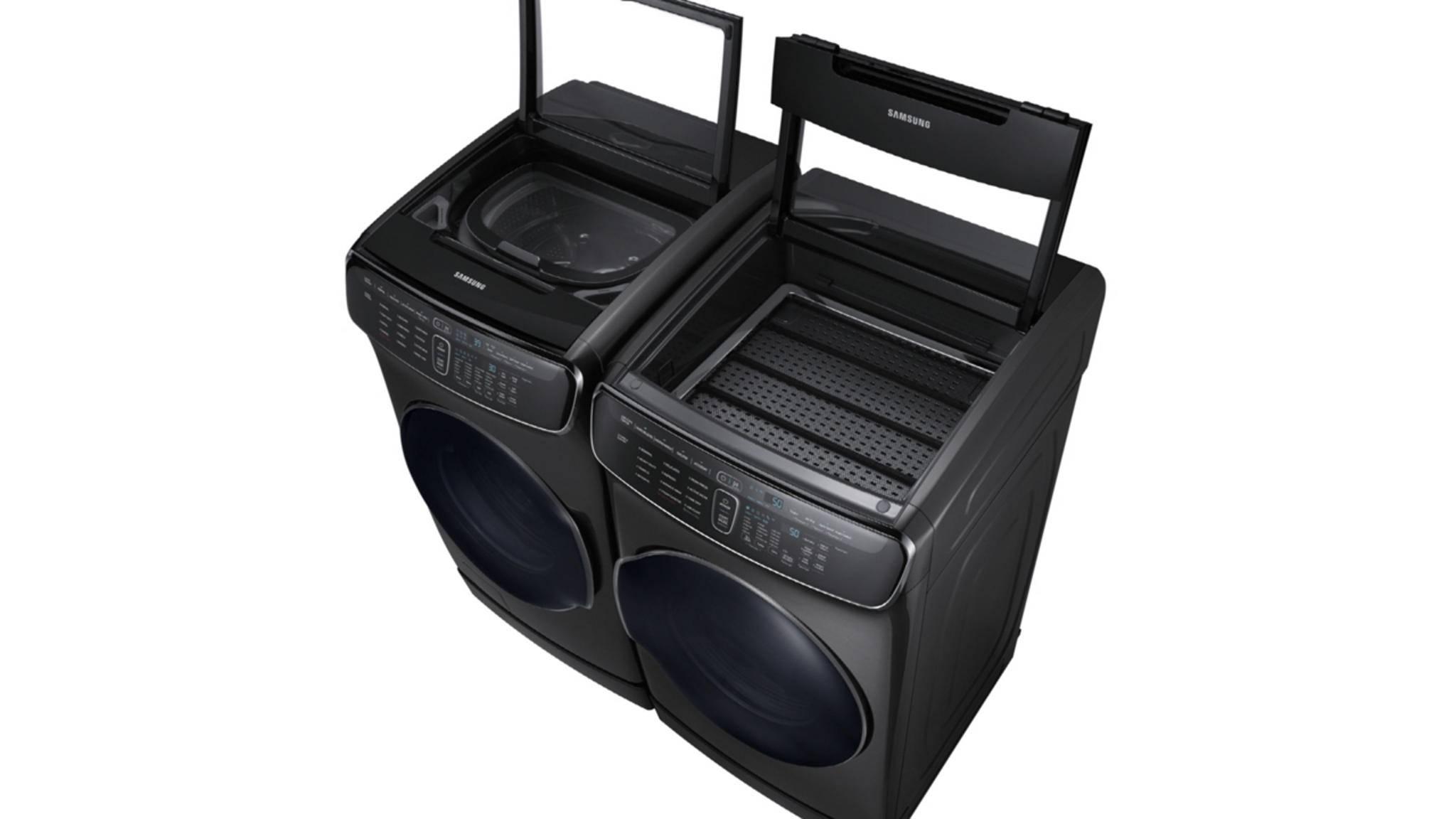 Sauberes Duo: Samsungs neue Waschmaschine kann waschen (links) und trocknen (rechts) – jeweils in einem Front- und einem Toploader.