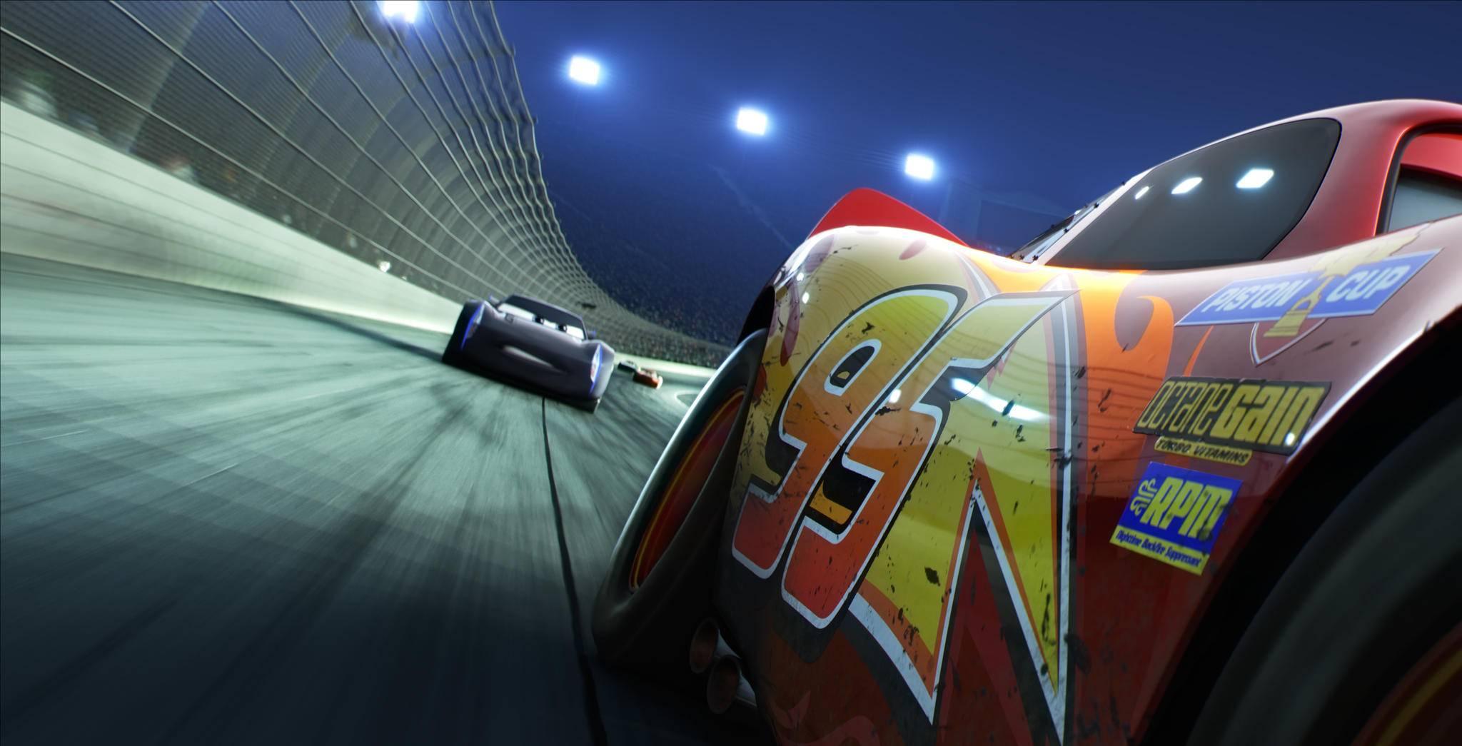 """Lightning McQueen bekommt in """"Cars 3"""" neue Konkurrenz."""