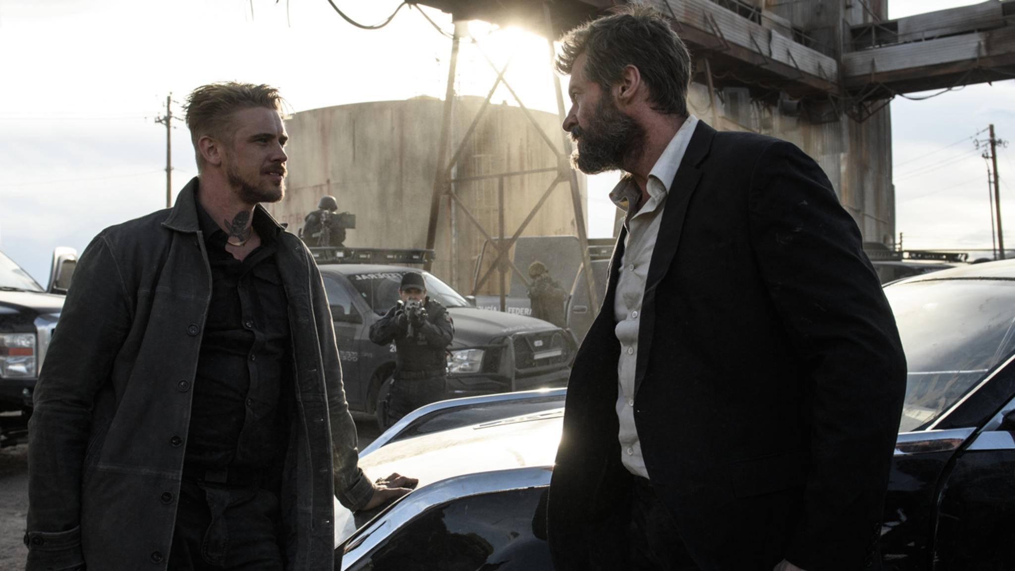 """Es riecht nach Ärger: Wolverine (Hugh Jackman, r.) und Pierce (Boyd Holbrook) werden sich in """"Logan"""" blutige Scharmützel liefern."""