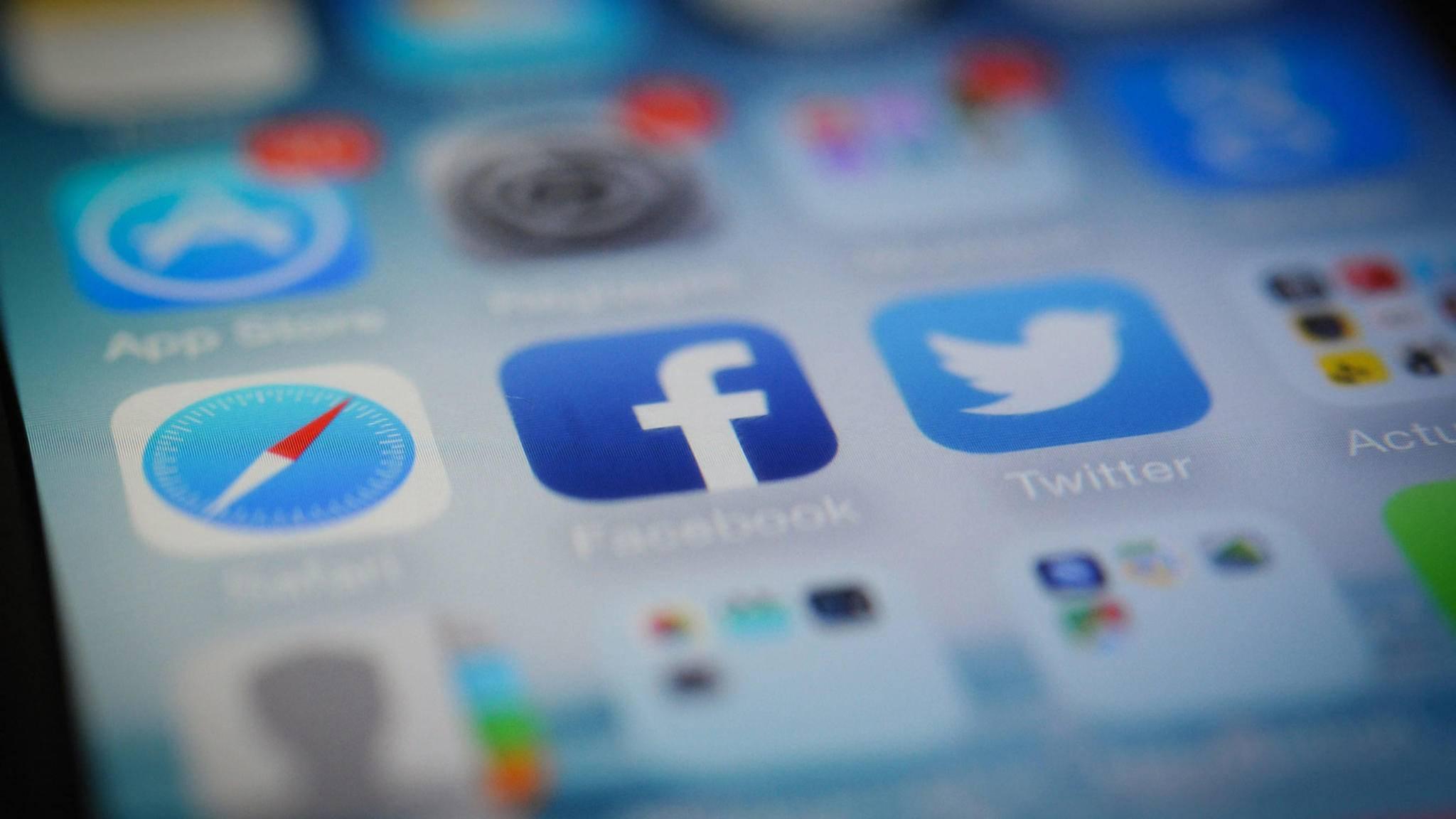 Mit wenigen Handgriffen kannst Du alle Facebook-Sitzungen beenden.