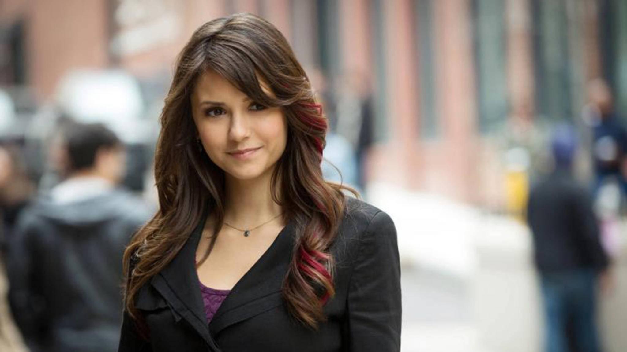 """Nina Dobrev lässt die Vampire nicht im Stich und ist beim Finale der """"Vampire Diaries"""" wieder mit von der Partie."""