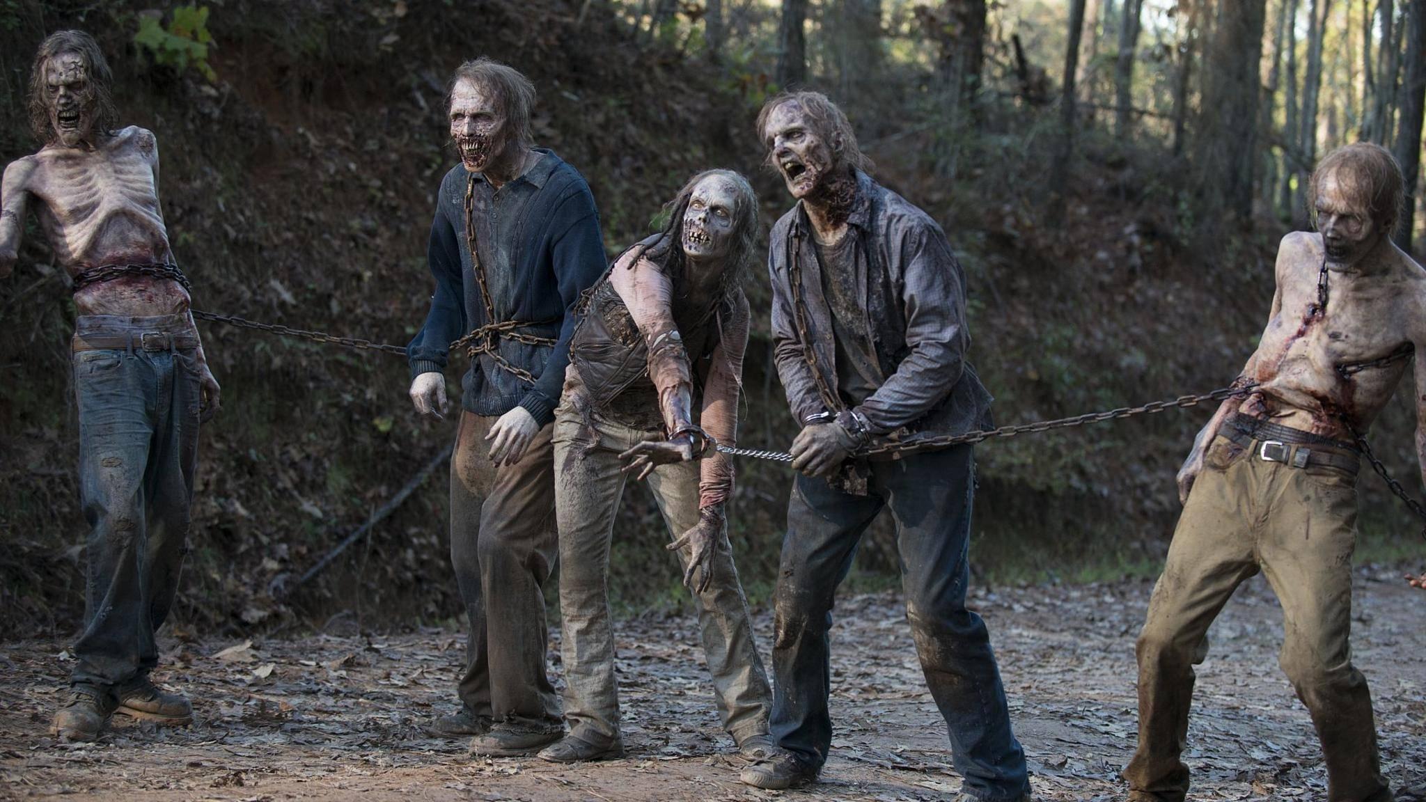 """Wie kam es überhaupt dazu, dass die Menschen in """"The Walking Dead"""" zu Zombies werden? Eine neue Doku von AMC soll's klären."""