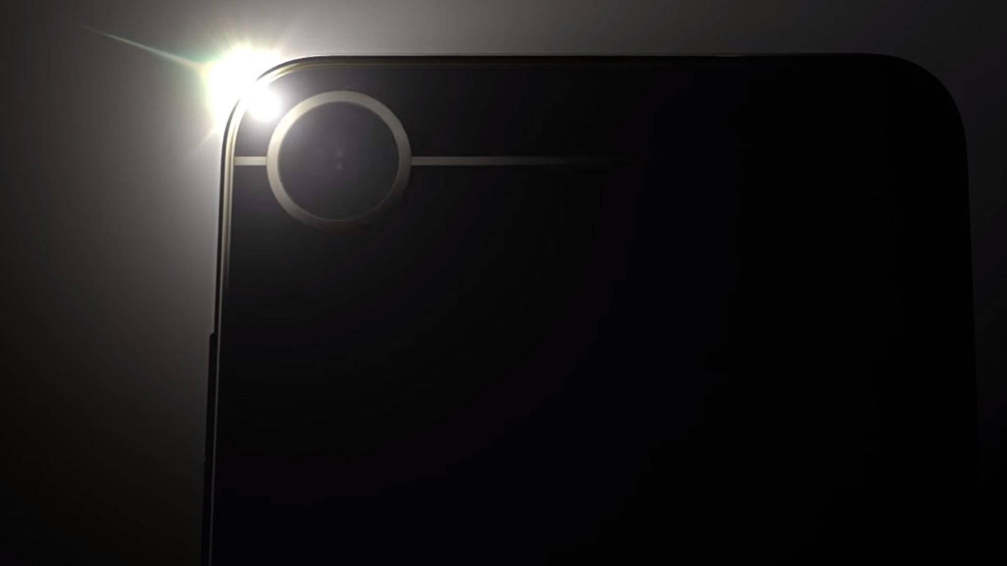 Beim HTC Alpine soll es sich offenbar um das HTC U Play handeln.