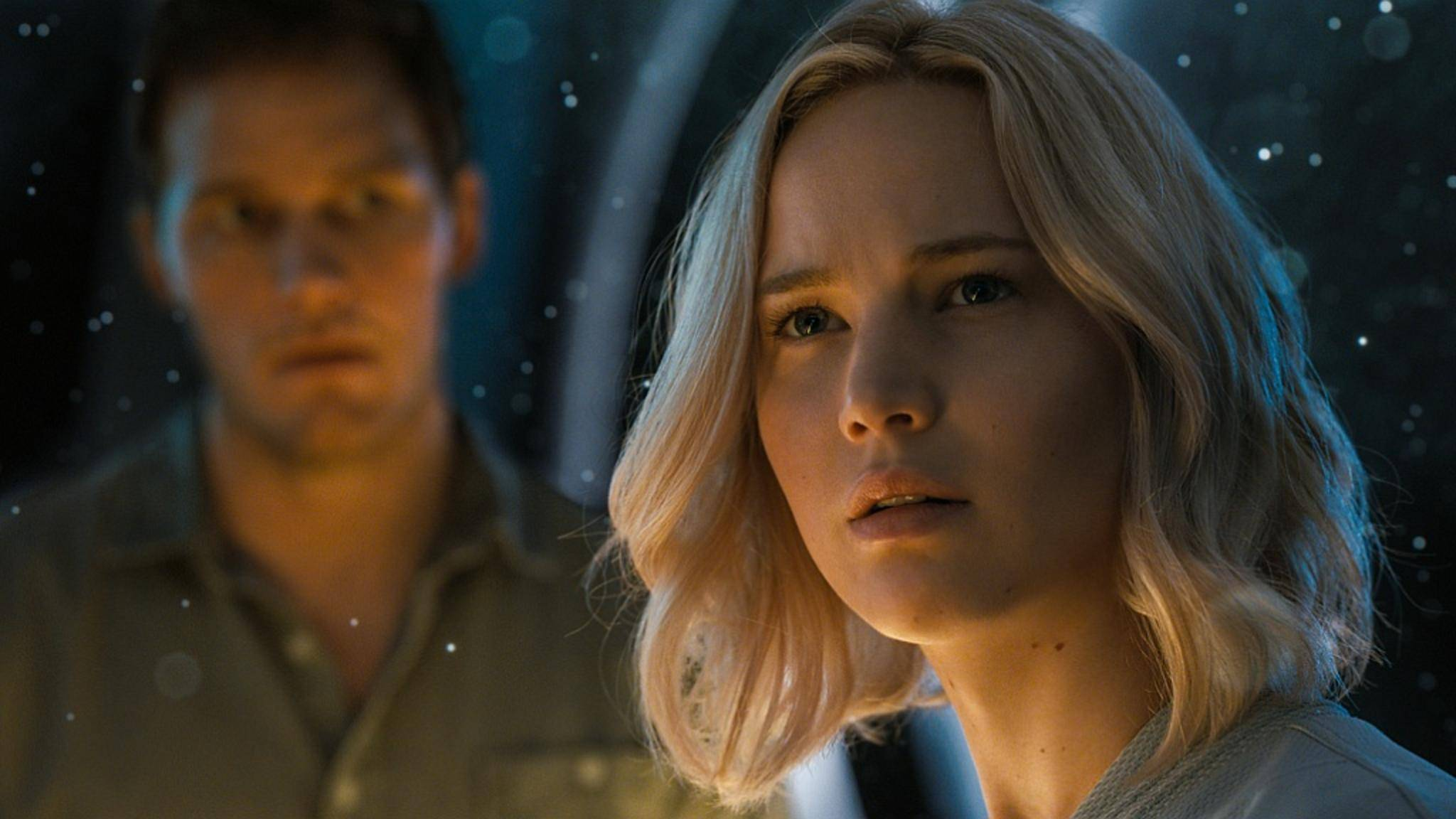 "Jennifer Lawrence und Chris Pratt in ""Passengers""."
