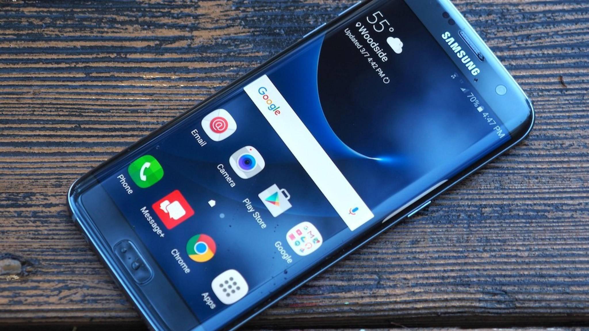 Das Galaxy S7 Edge in Blue Coral: Demnächst wohl auch in Deutschland.