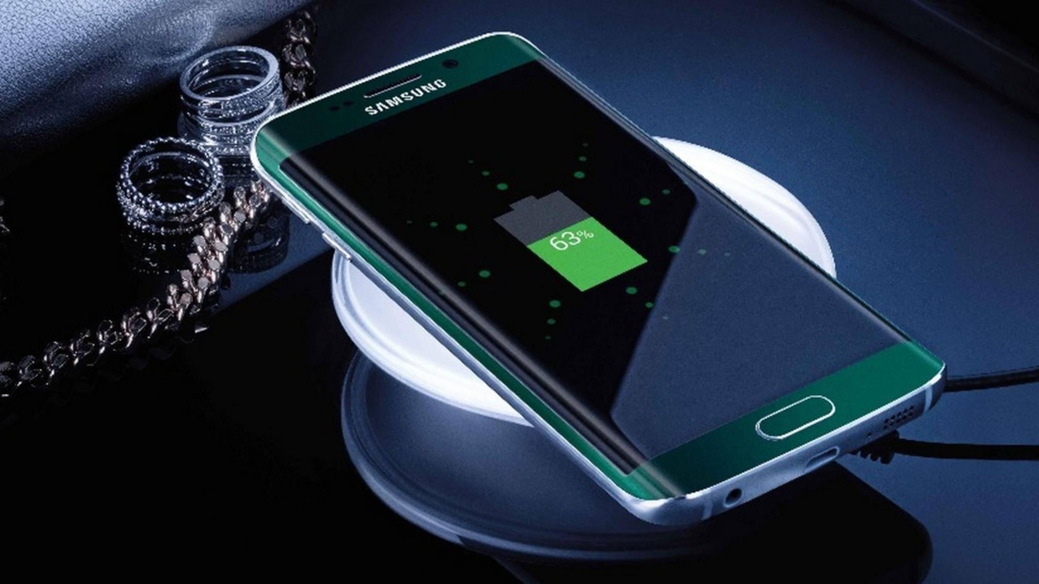 Einige Android-Smartphones lassen sich sogar kabellos aufladen.