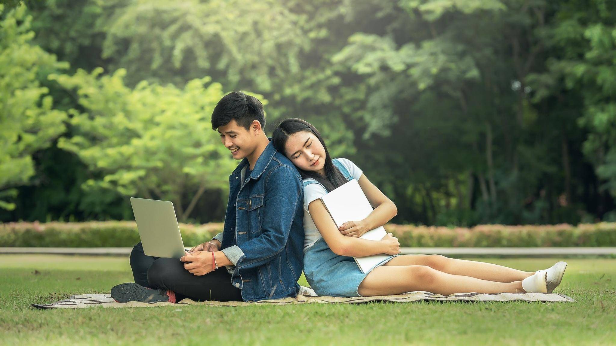 Laptops und Studenten sind wie für einander bestimmt.