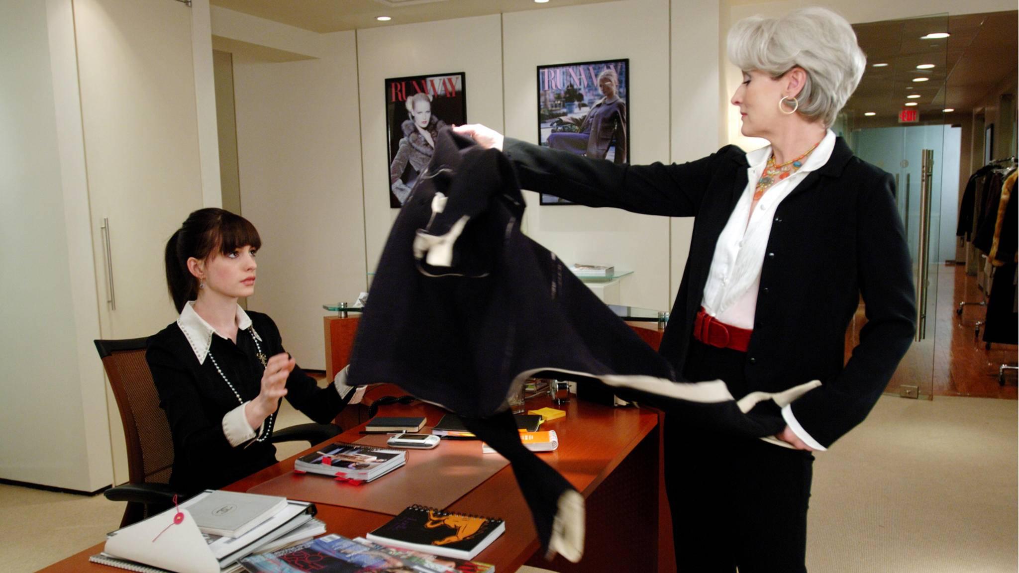 Als Miranda Priestly macht Meryl Streep ihrer neuen Assistentin (Anne Hathaway) das Leben zur Hölle.