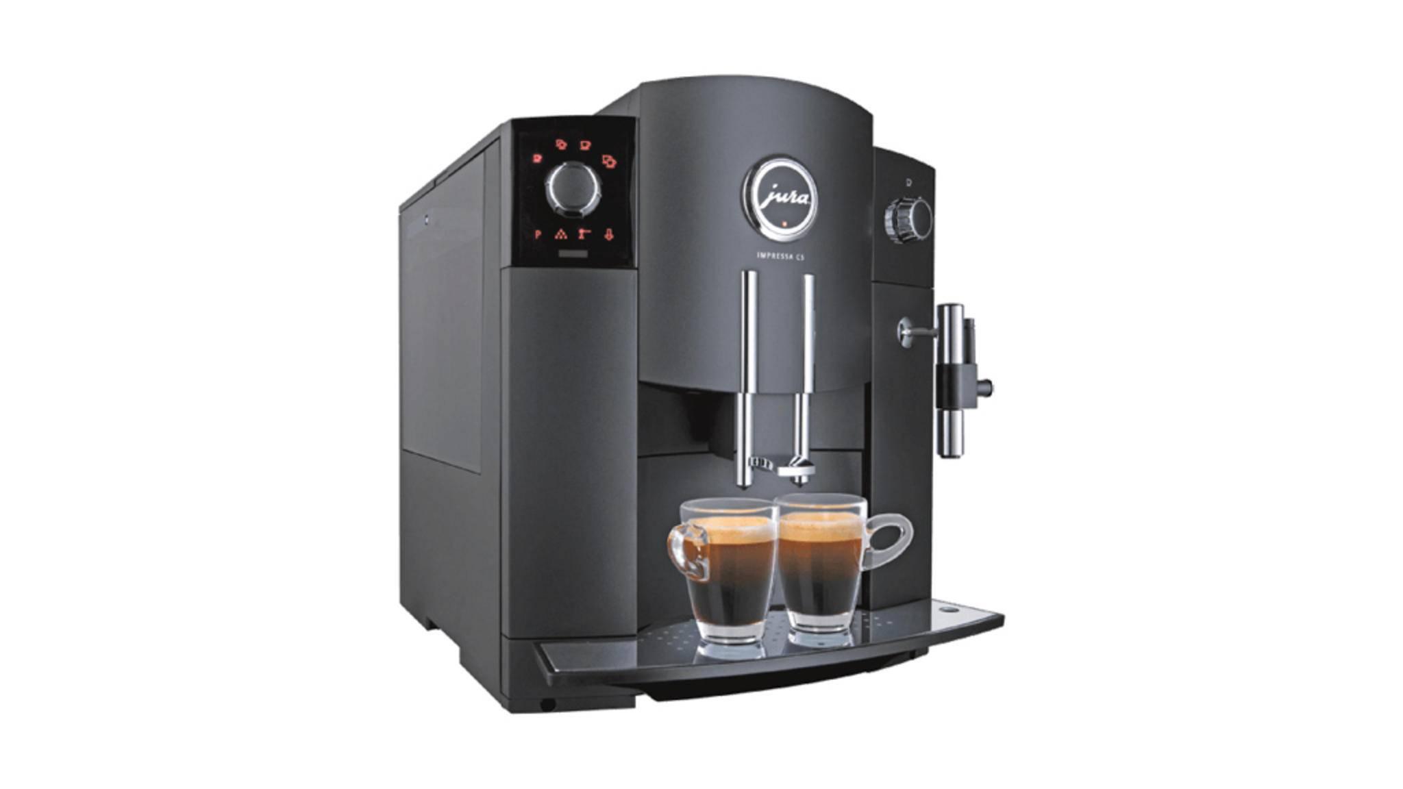 Die Jura Impressa C5 macht leckeren Kaffee. Damit das so bleibt, muss der Vollautomat regelmäßig gereinigt werden.