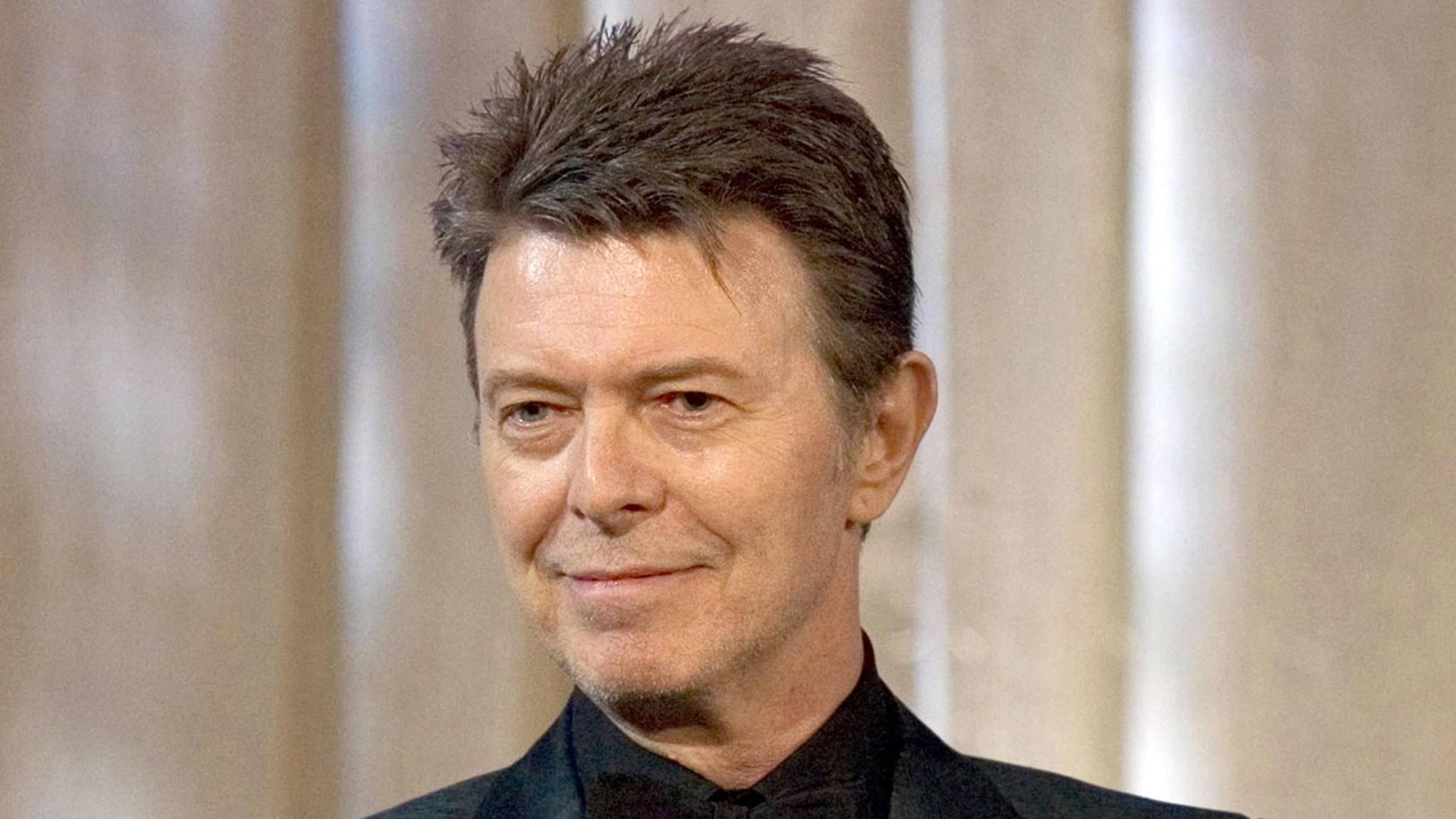 David Bowie verstarb am 10. Januar 2016, nur zwei Tage nach seinem Geburtstag. Nun gibt es wieder Musik von dem Ausnahmekünstler.