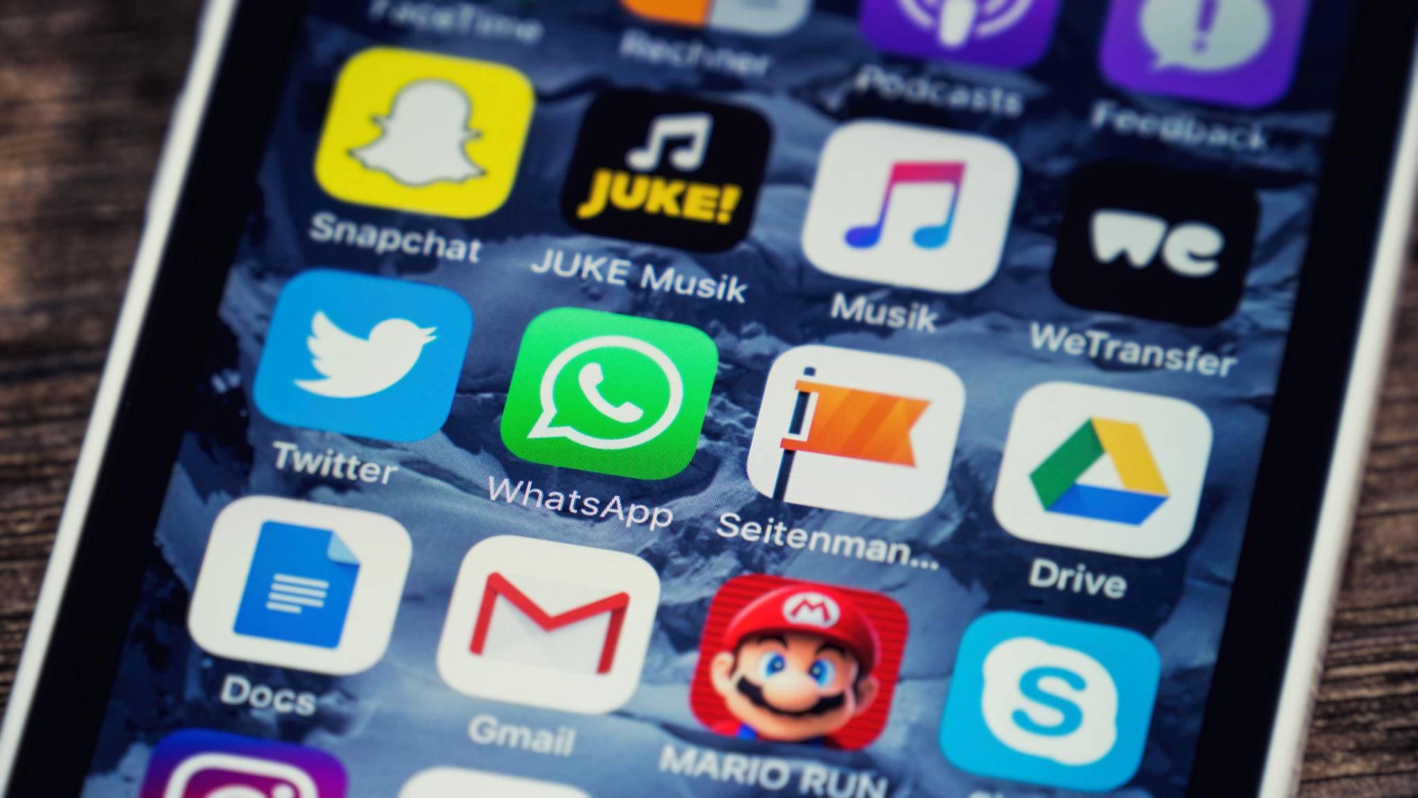 Der Homescreen lässt sich unter Android und iOS unterschiedlich ordnen.