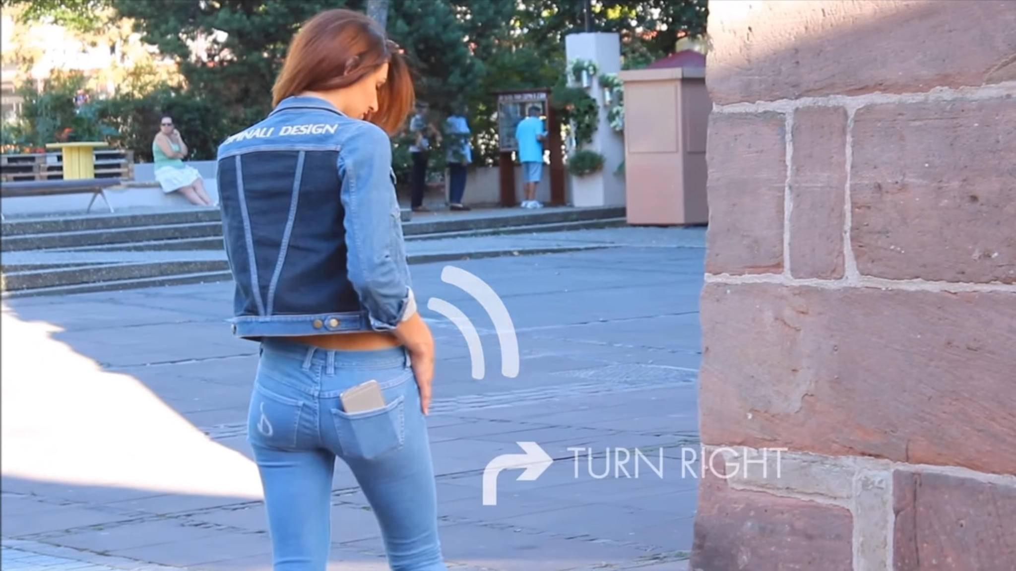 Verlaufen? Diese smarte Jeans zeigt Dir, wo es langgeht.