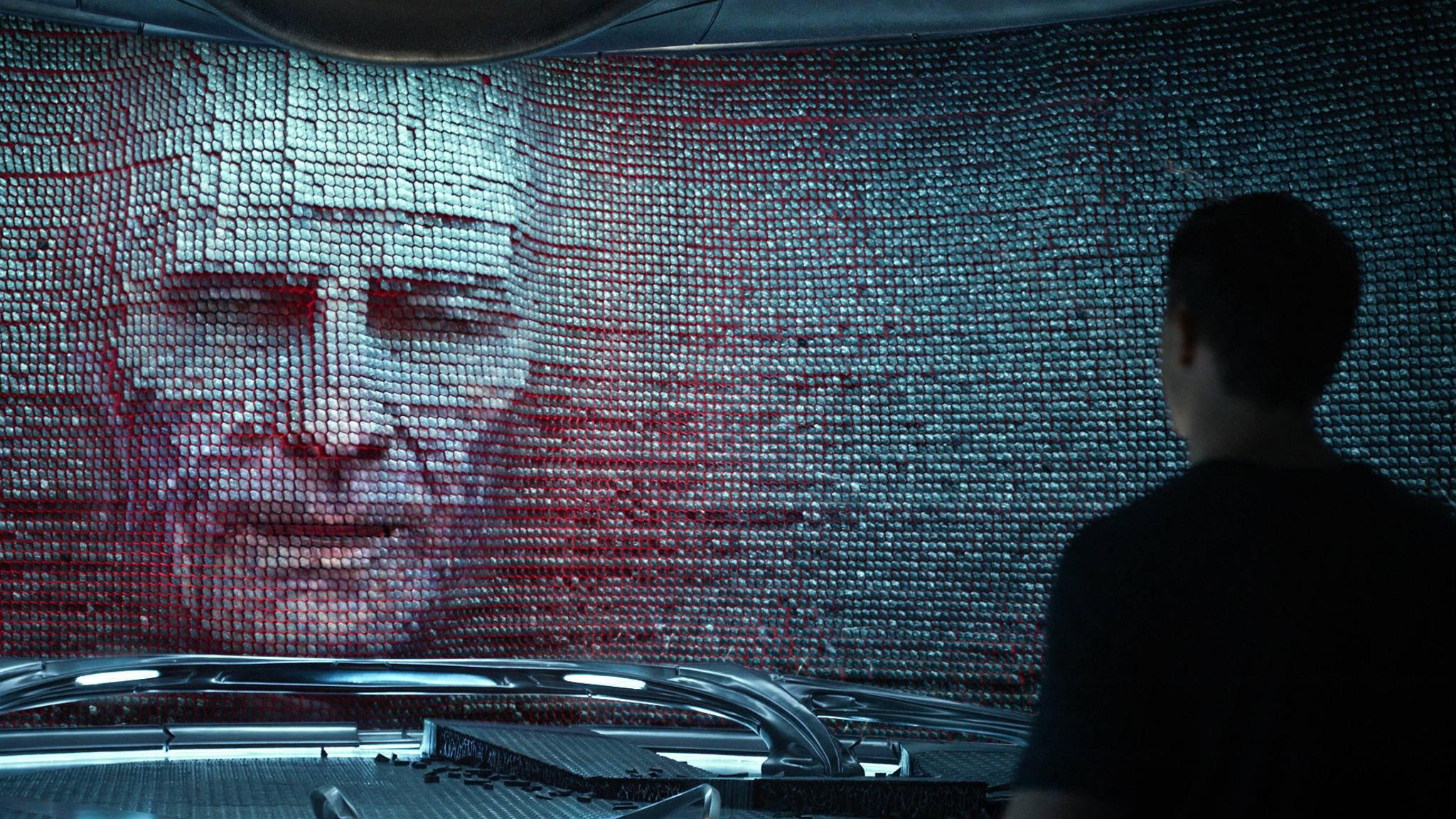 Brian Cranston übernimmt die Rolle des Mentors Zordon.