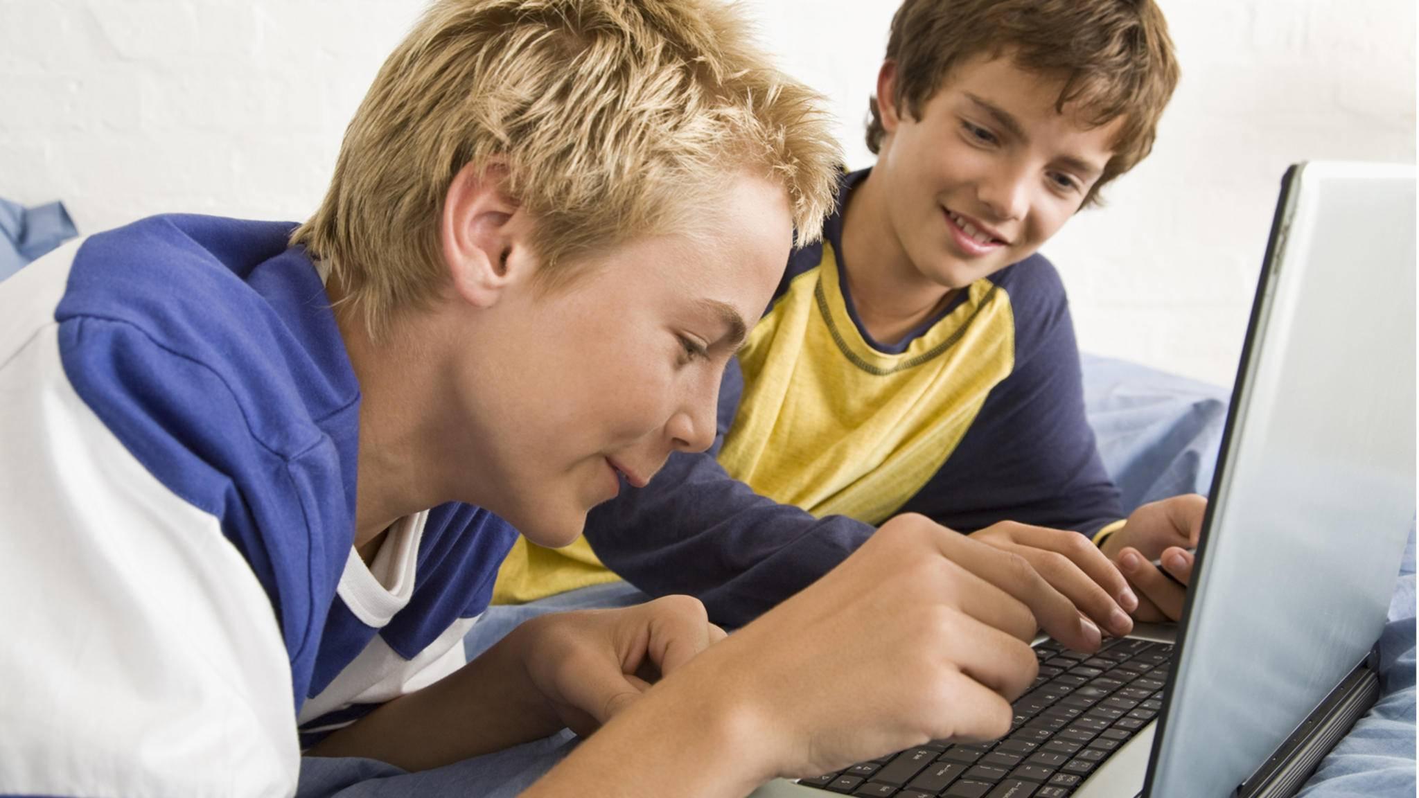 Um Kinder und Jugendliche zu schützen, lässt sich unter Windows 10 eine Kindersicherung einrichten.