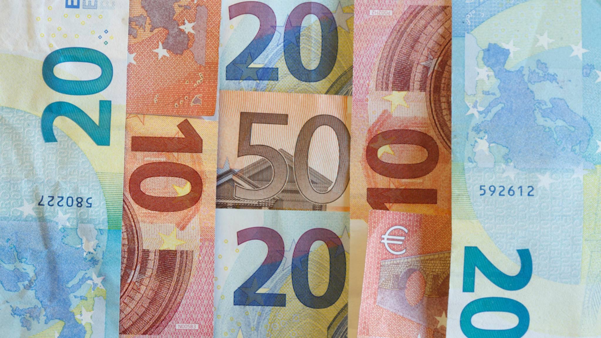 Wie glücklich macht Geld? Eine neue Studie geht der Frage auf den Grund.