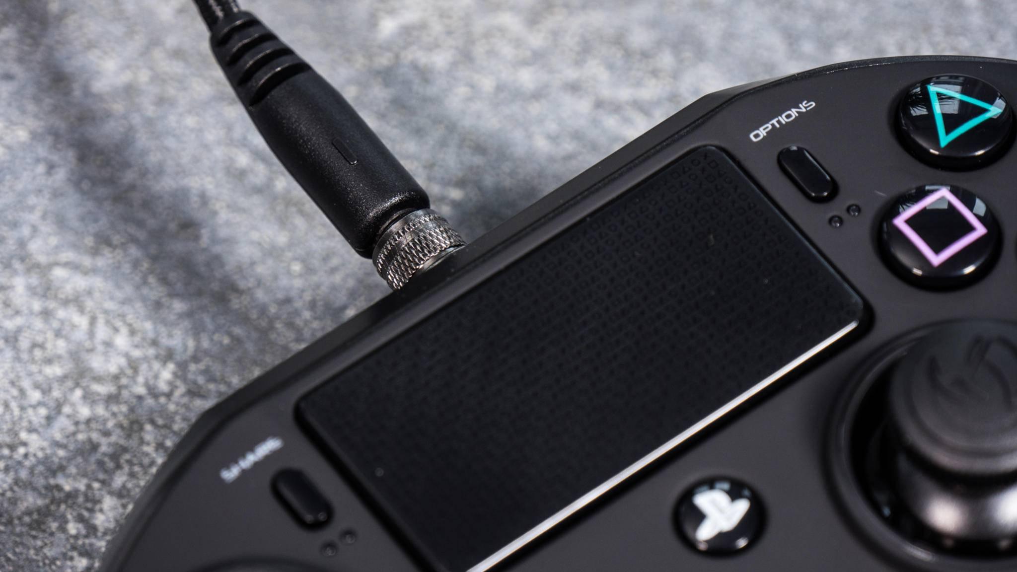 Das Touch-Pad ist mit den PlayStation-Zeichen verziert.
