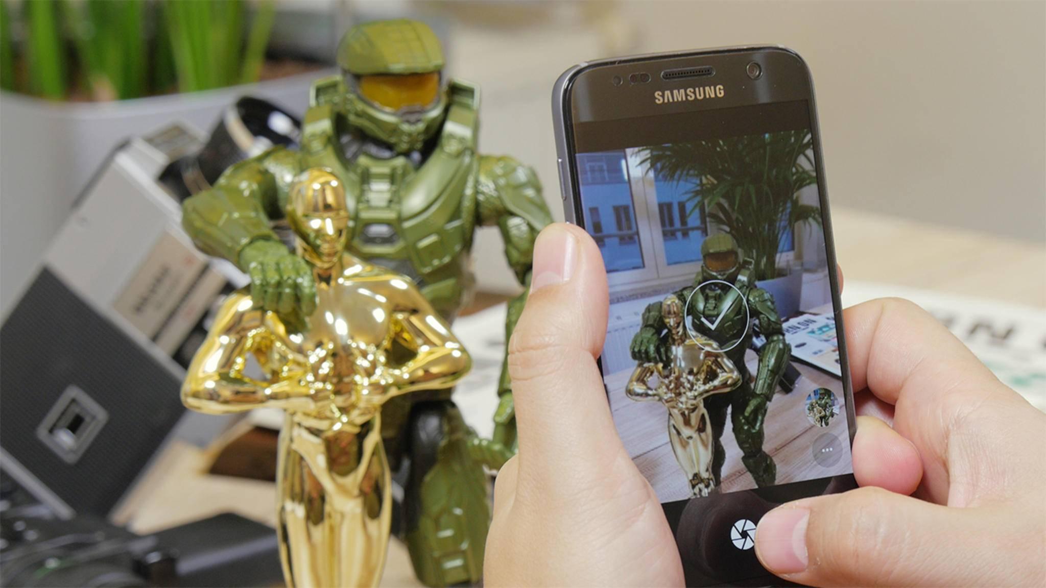 Du brauchst keine Dual-Kamera wie beim iPhone 7 Plus, um Porträtotos mit Unschärfeeffekt aufnehmen zu können.