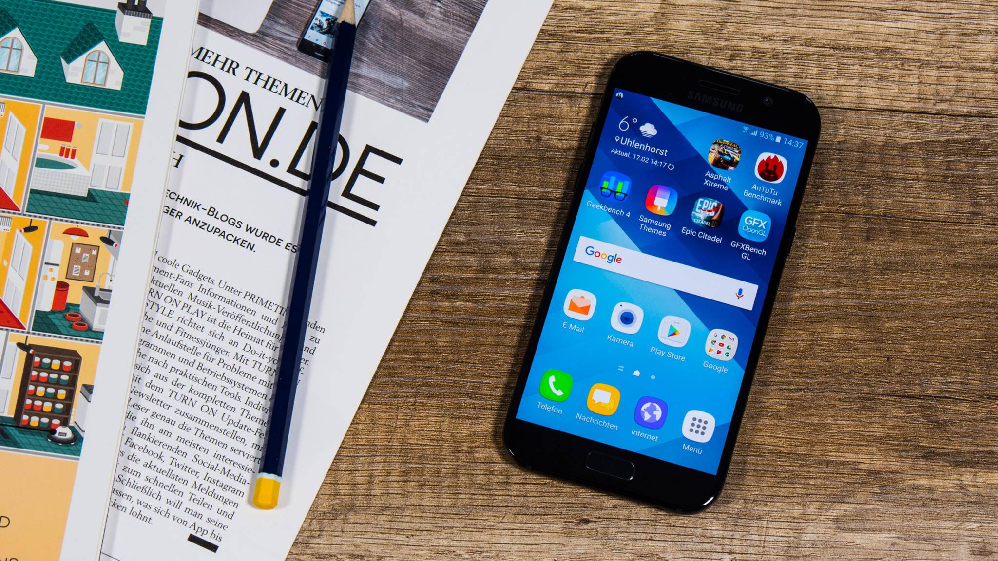 Ausgeliefert wurde das Galaxy A5 Anfang 2017 noch mit Android 6.0.1 Marshmallow.