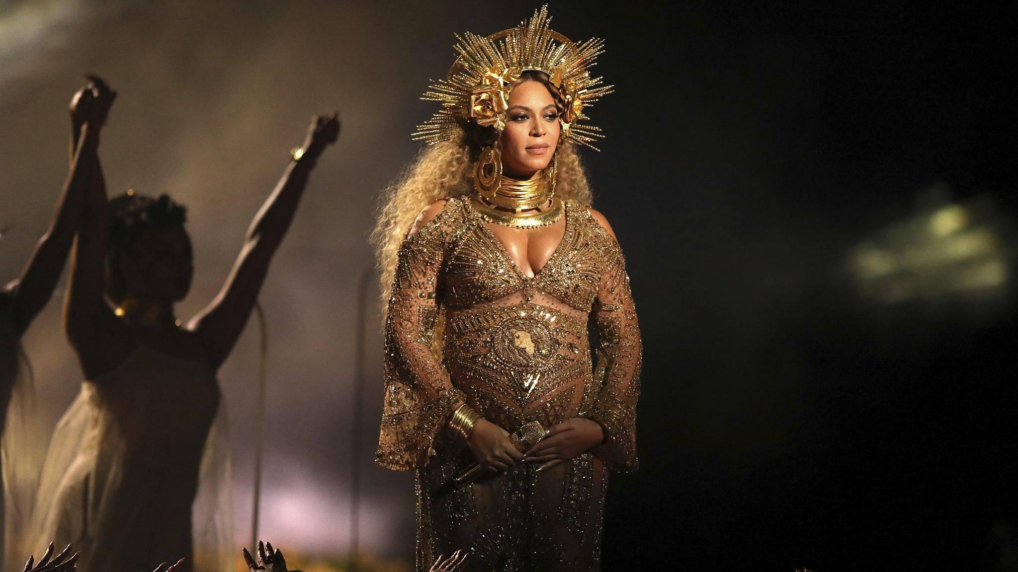 Beyoncé legte bei den Grammys 2017 einen spektakulären Auftritt hin.