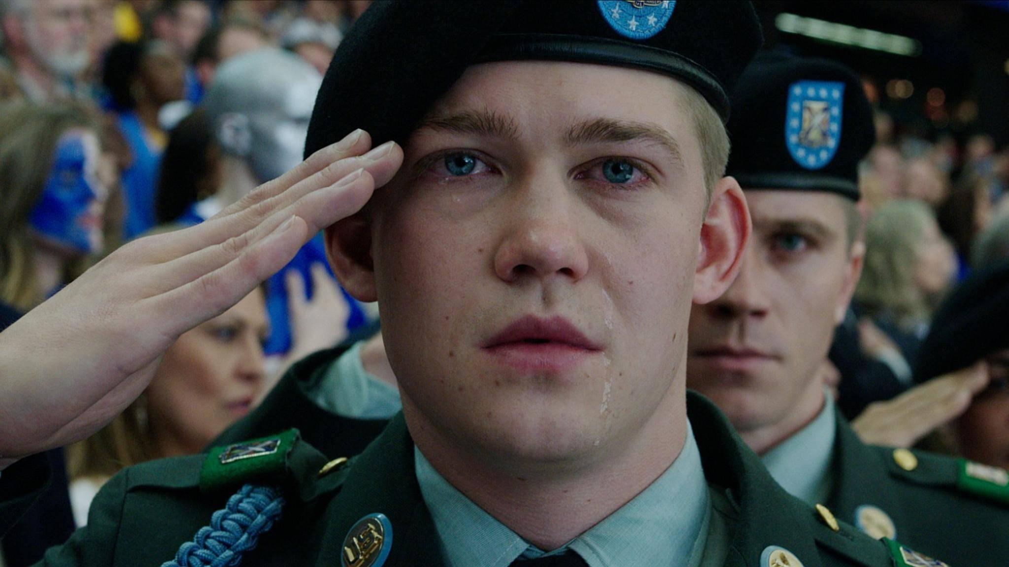 Gemischte Gefühle: Billy Lyn (Joe Alwyn) weiß nicht so recht, wie ihm auf seiner Heldentour geschieht.