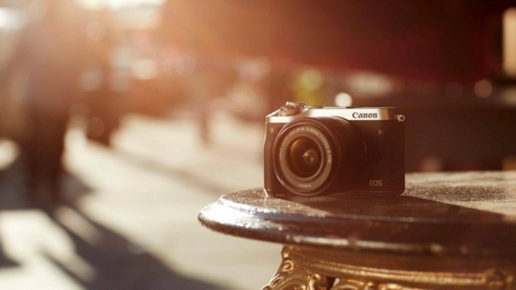 Die Canon EOS M6 verjüngt die M-Serie an Systemkameras mit neuester Canon-Technik.
