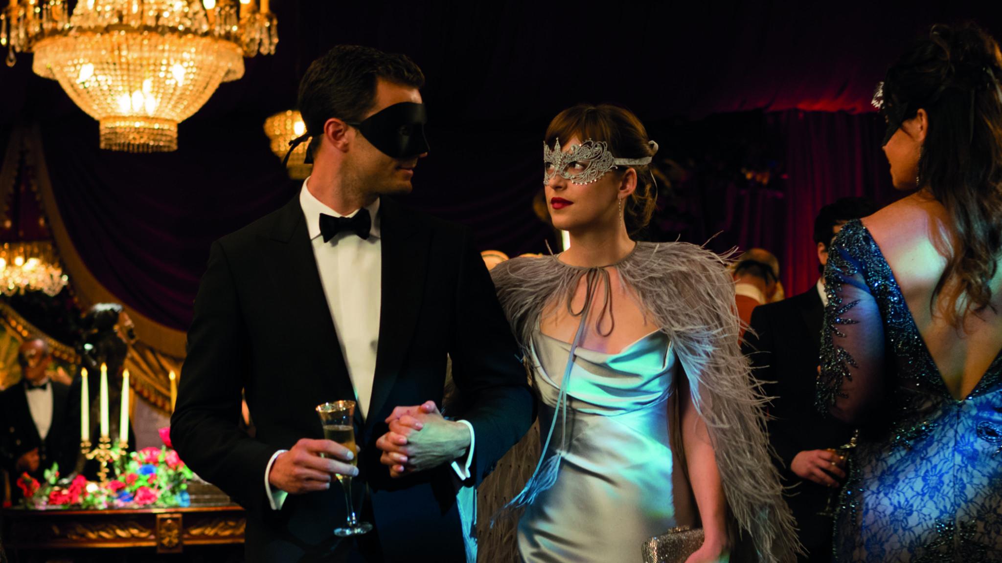 """Am 8. Juni 2017 erscheint die Fortsetzung der Romanverfilmung """"Fifty Shades of Grey"""" auf DVD und Blu-Ray."""
