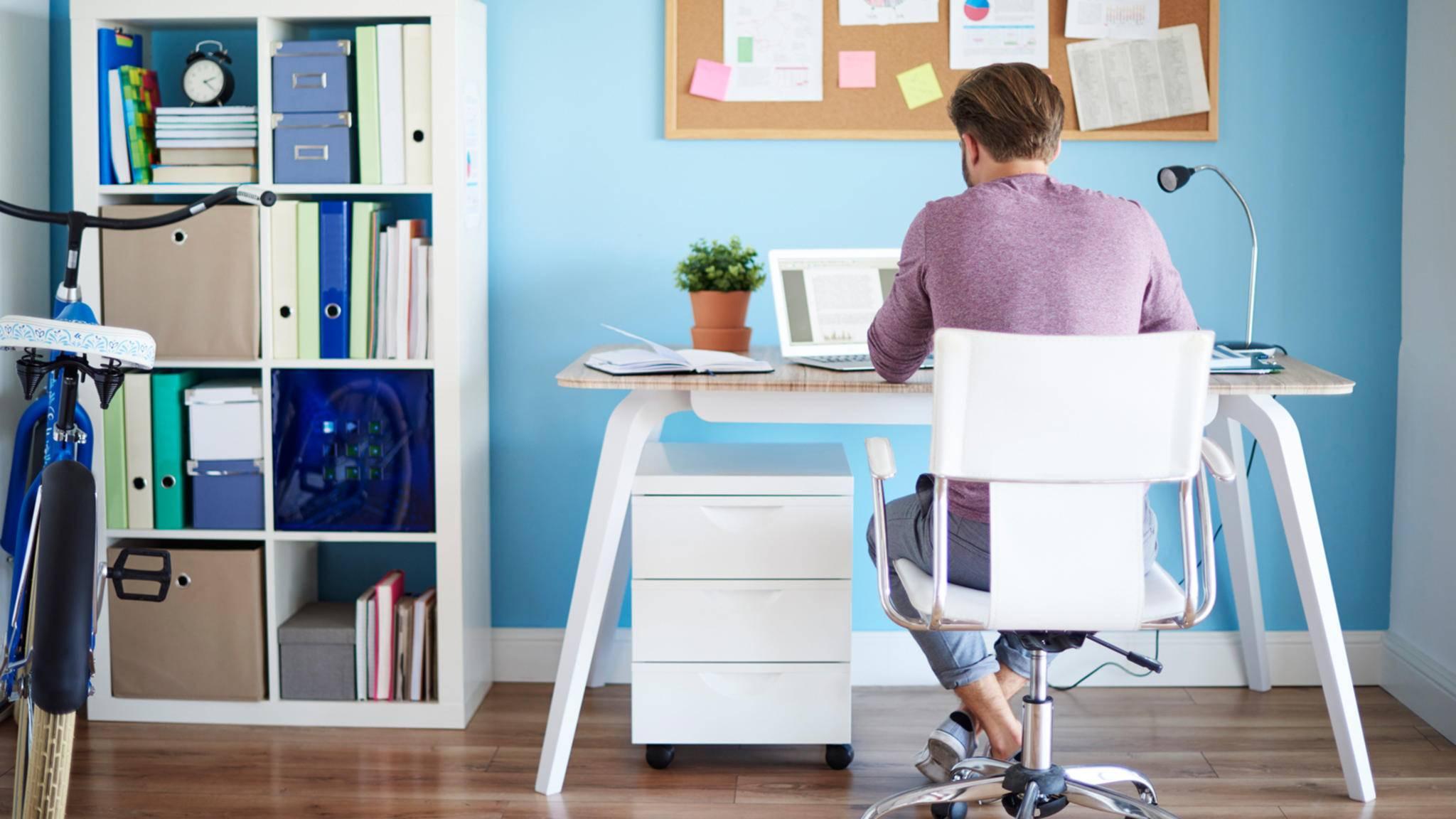 Um im Home-Office auf Dauer effektiv arbeiten zu können, gilt es, Einiges zu beachten.