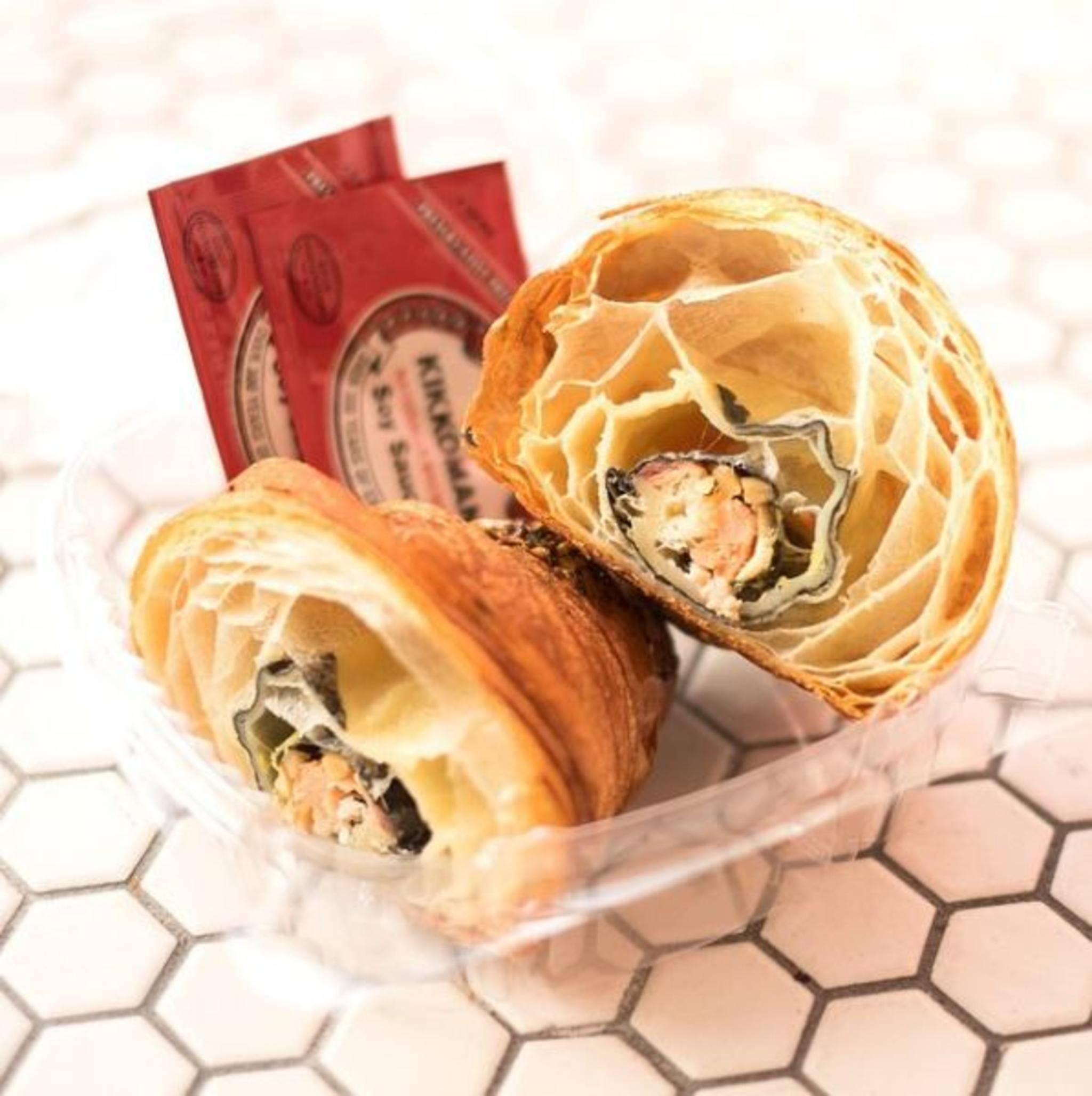 West trifft Ost: Dieses Croissant ist mit Sushi gefüllt.