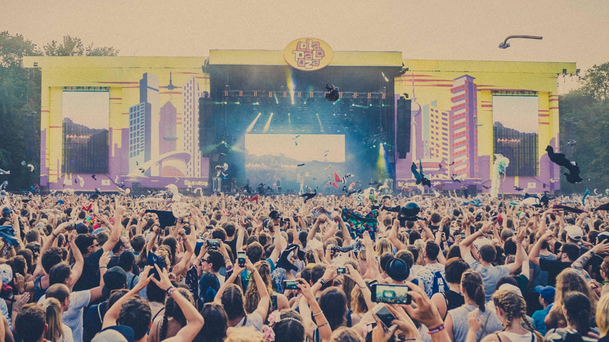 Das Lollapalooza hat einen neuen Standort gefunden – und lockt mit ersten Bandbestätigungen.