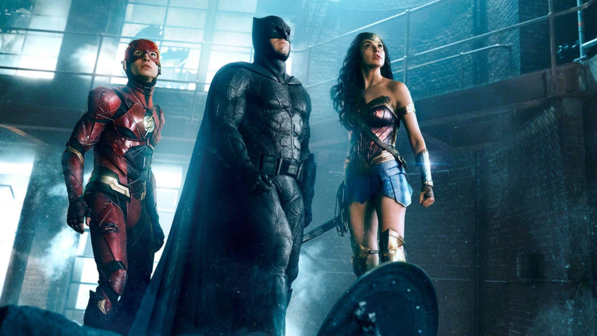 """Batman schlägt in """"Justice League"""" in altbekannter musikalischer Begleitung auf."""