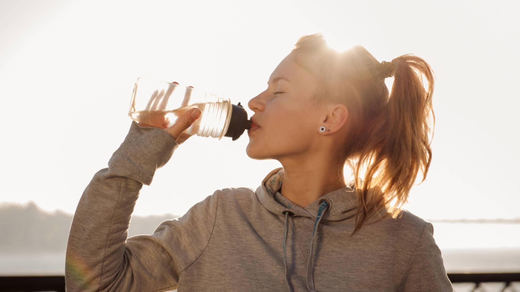Wasser liefert nicht nur Energie, sondern füllt auch den Magen.