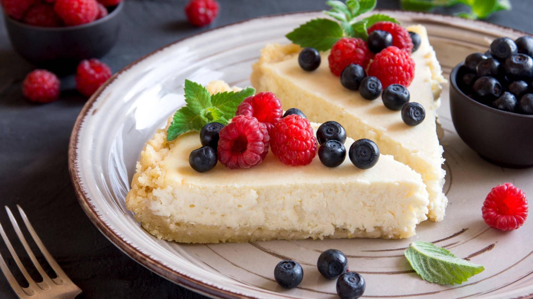 Cheesecake kannst Du in vielen Varianten auch ohne Ofen backen.