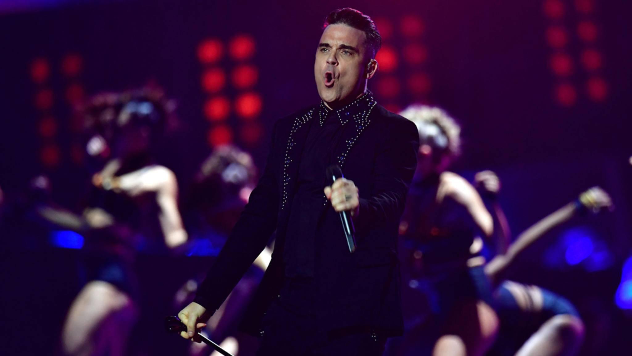 Robbie Williams performte bei den BRIT Awards 2017 live auf der Bühne. Die wichtigsten Preise gewannen aber andere Künstler.