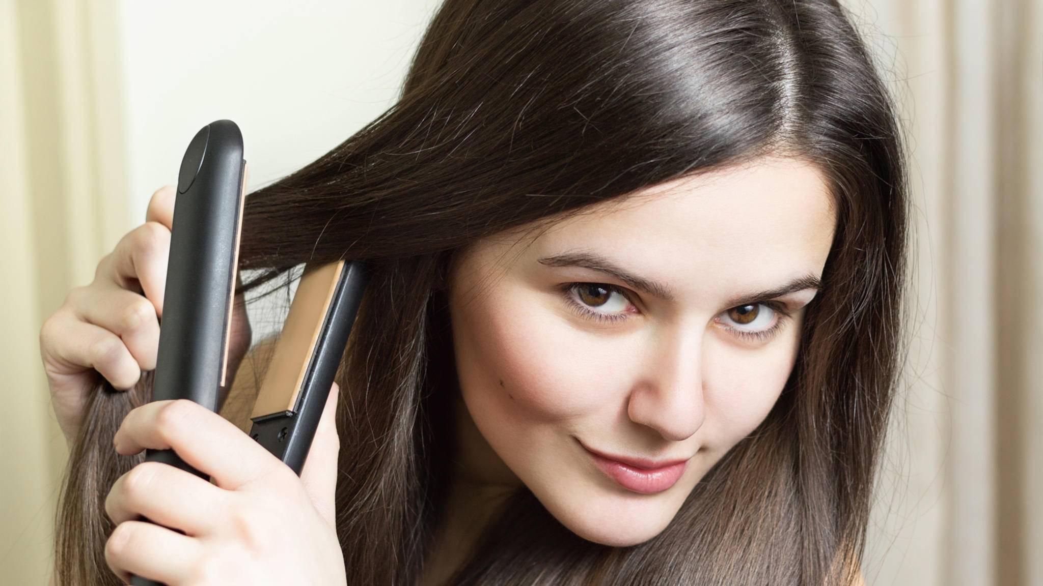 Beim Haareglätten kann man so manchen Fehler machen.