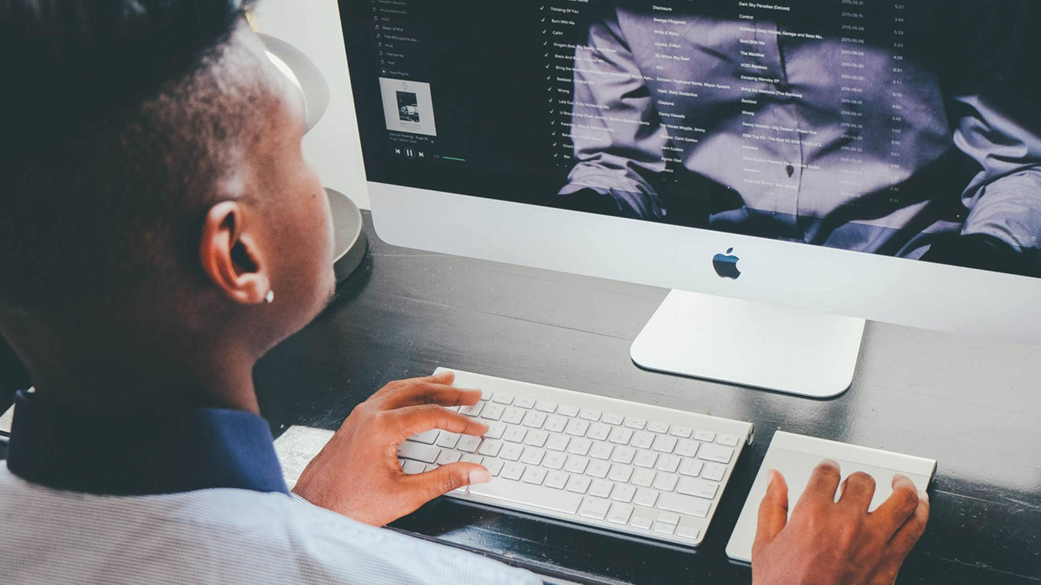 Wer den ganzen Tag auf den Bildschirm starrt, kennt das Computer Vision Syndrome vermutlich aus eigener Erfahrung.