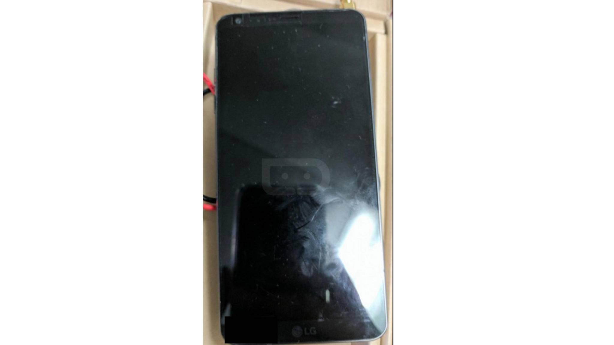 Die durchgesickerten Bilder des LG G6 zeigen ein Metallgehäuse ...