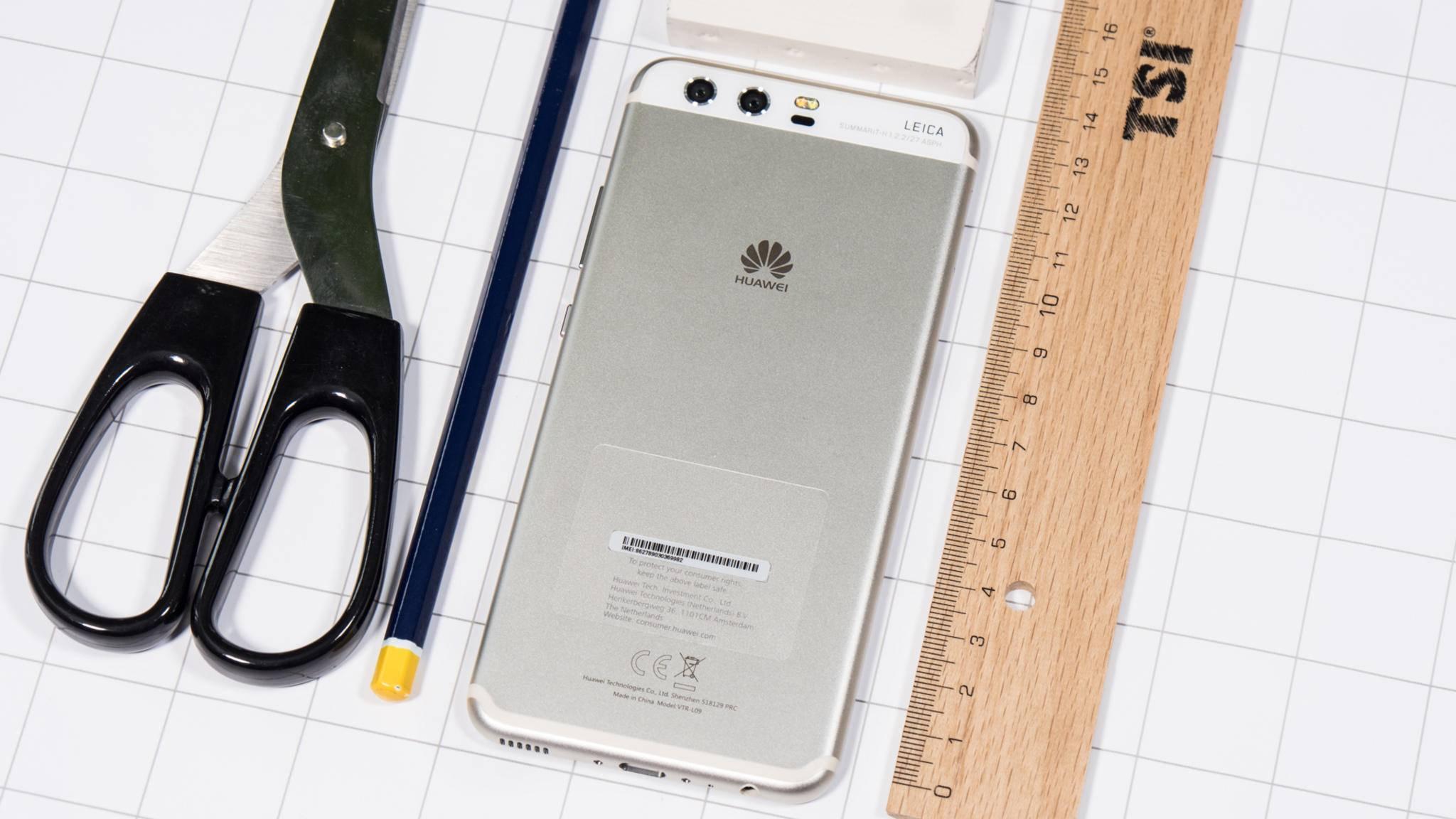 Das Huawei P10 wird mit unterschiedlichen Speicherchips ausgeliefert.