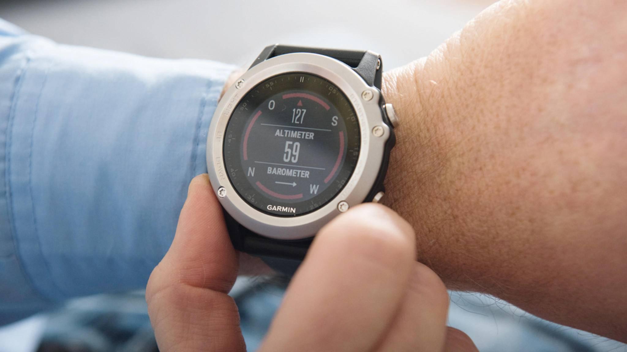 Herzensangelegenheit: Die Garmin fēnix 3 HR zeichnet u. a. die Herz- und Schrittfrequenz auf.